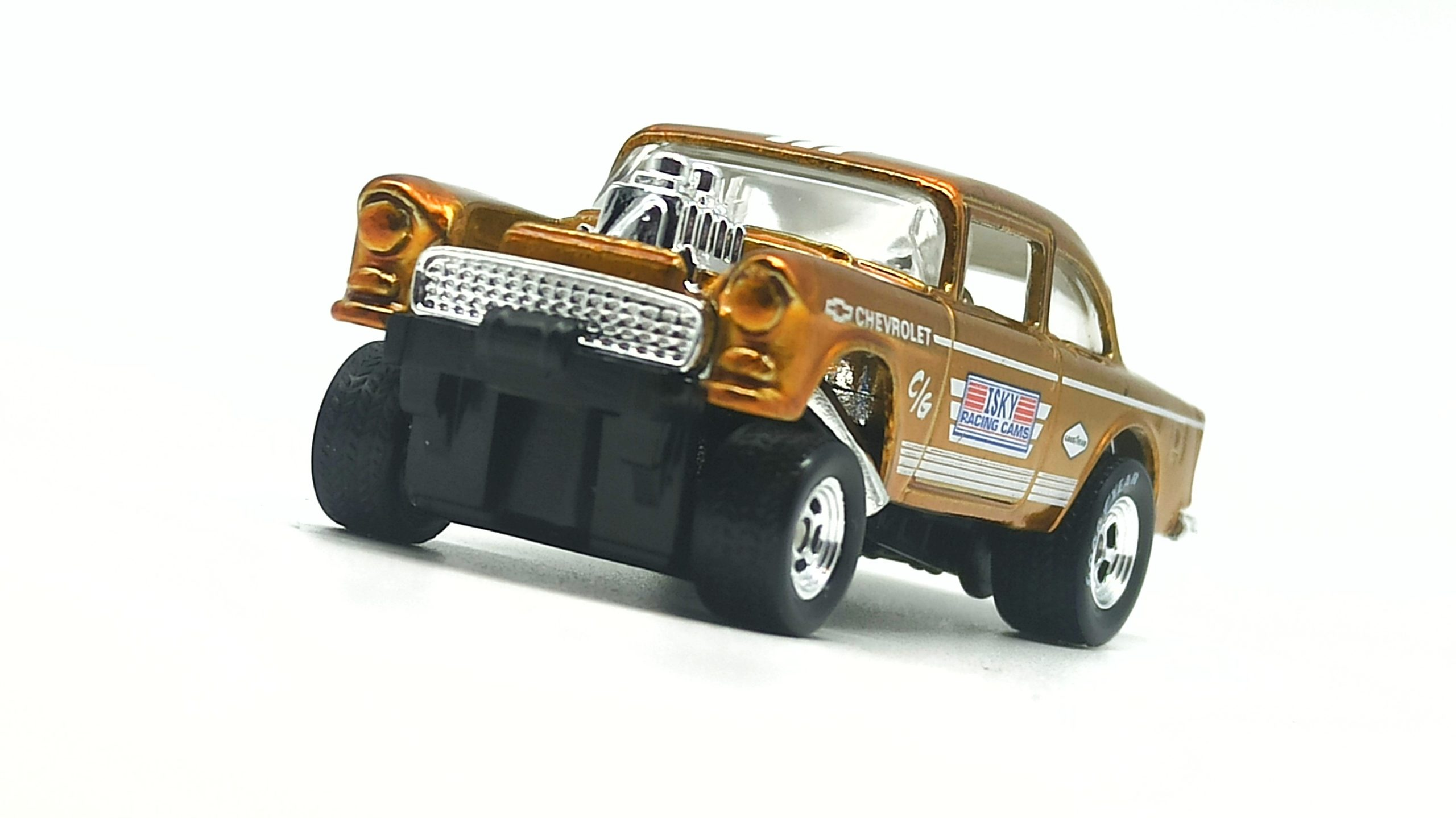 Hot Wheels '55 Chevy Bel Air Gasser 2020 Legends Tour Exclusive spectraflame yellow (gold) front angle