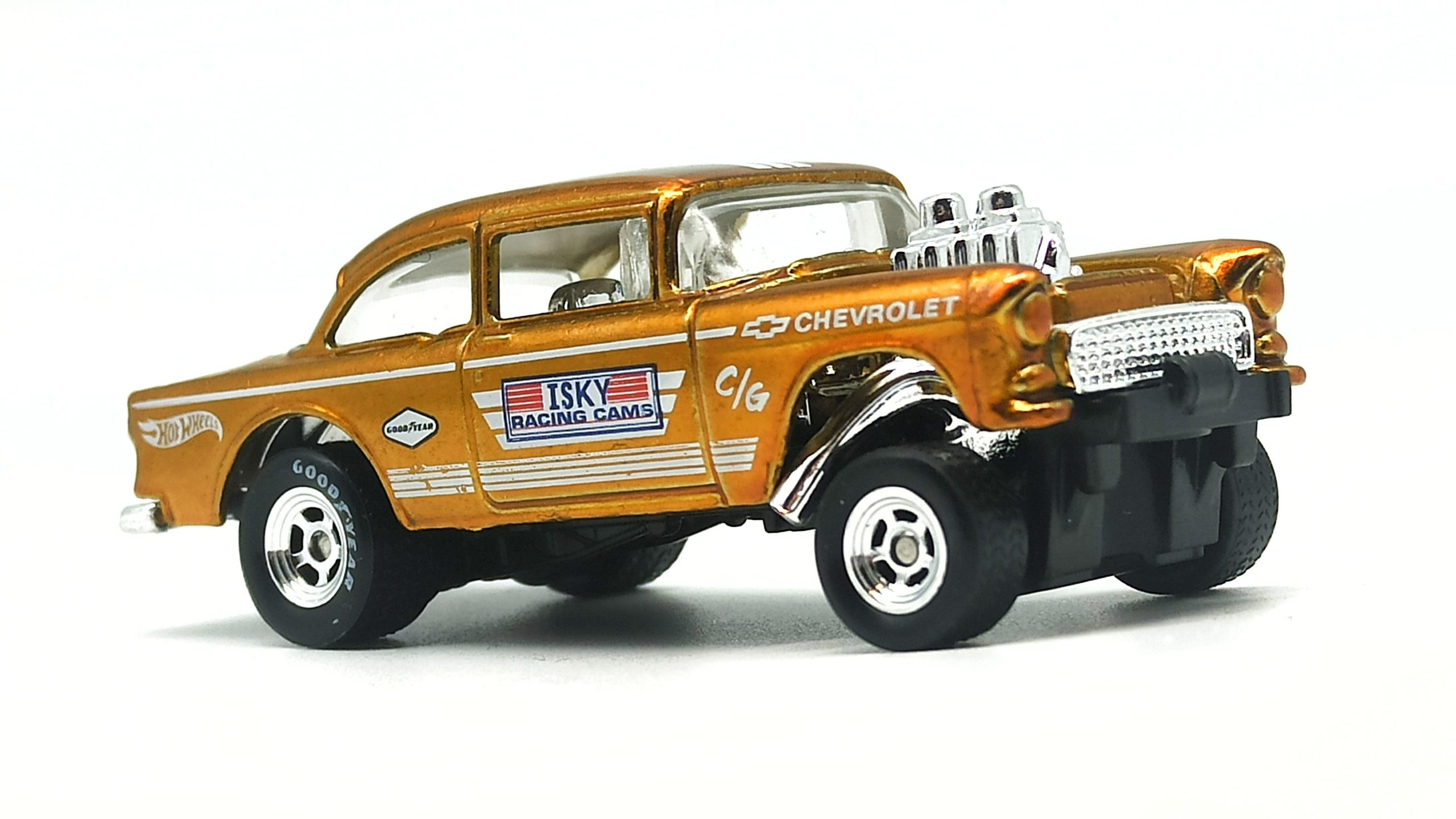 Hot Wheels '55 Chevy Bel Air Gasser 2020 Legends Tour Exclusive spectraflame yellow (gold) side angle