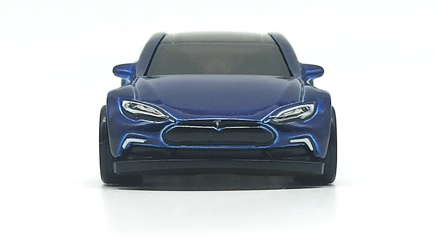 Hot Wheels Tesla Model S (FYG08) 2019 (226/250) HW Green Speed (4/5) indigo blue Super Treasure Hunt (STH) front