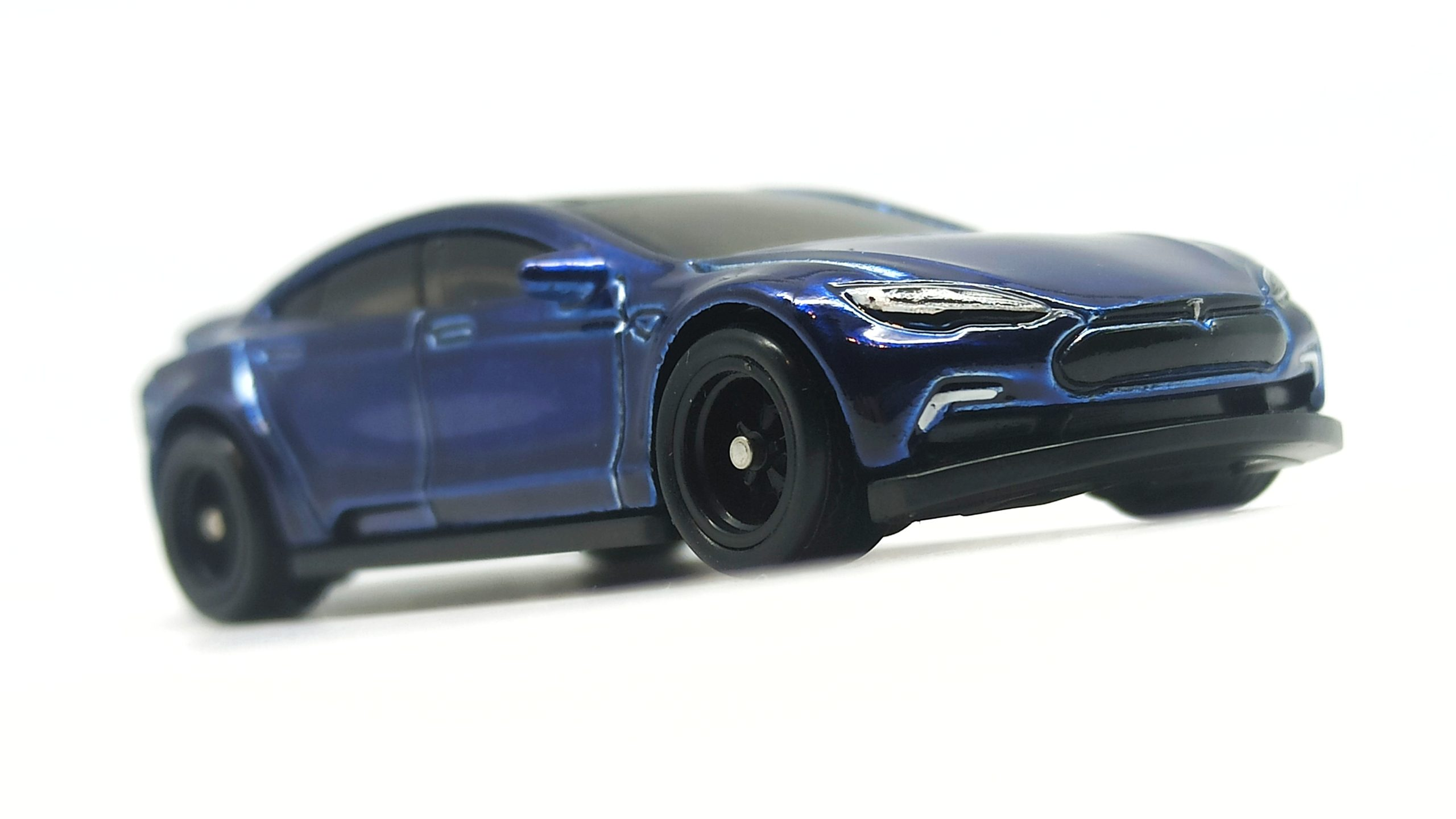 Hot Wheels Tesla Model S (FYG08) 2019 (226/250) HW Green Speed (4/5) indigo blue Super Treasure Hunt (STH) front angle