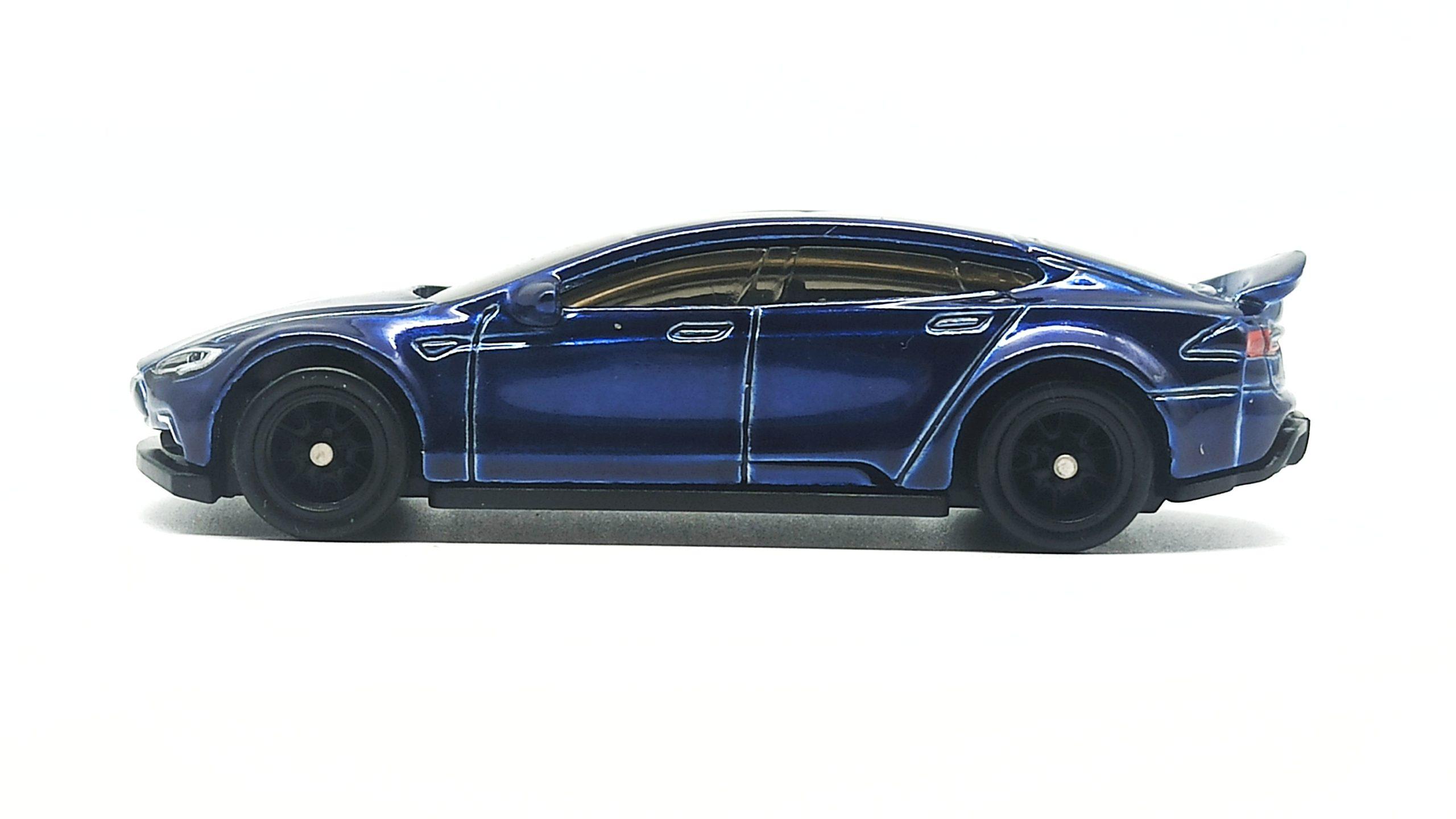Hot Wheels Tesla Model S (FYG08) 2019 (226/250) HW Green Speed (4/5) indigo blue Super Treasure Hunt (STH) side
