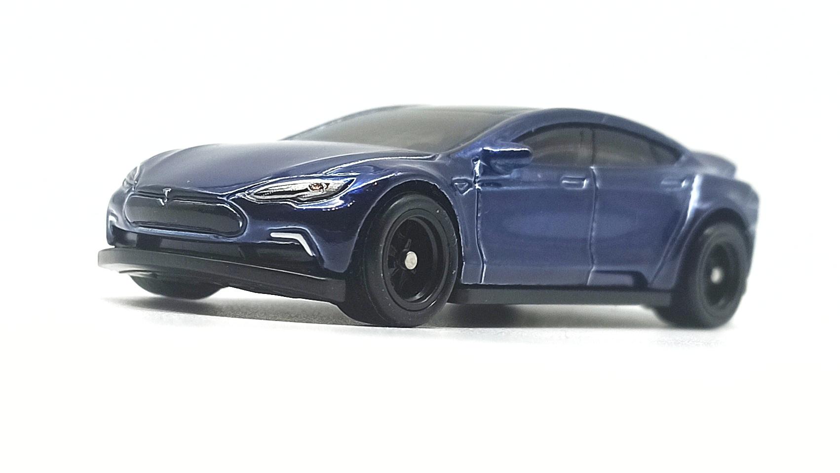 Hot Wheels Tesla Model S (FYG08) 2019 (226/250) HW Green Speed (4/5) indigo blue Super Treasure Hunt (STH) side angle