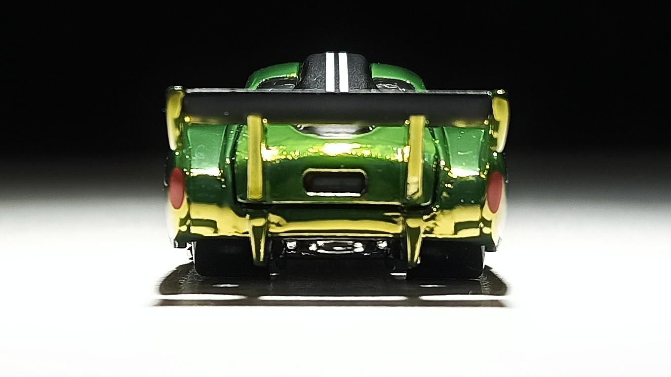 Hot Wheels Volkswagen Karmann Ghia (X0561) 2013 RLC Exclusive (1 of 3.000) VW spectraflame antifreeze (green) back