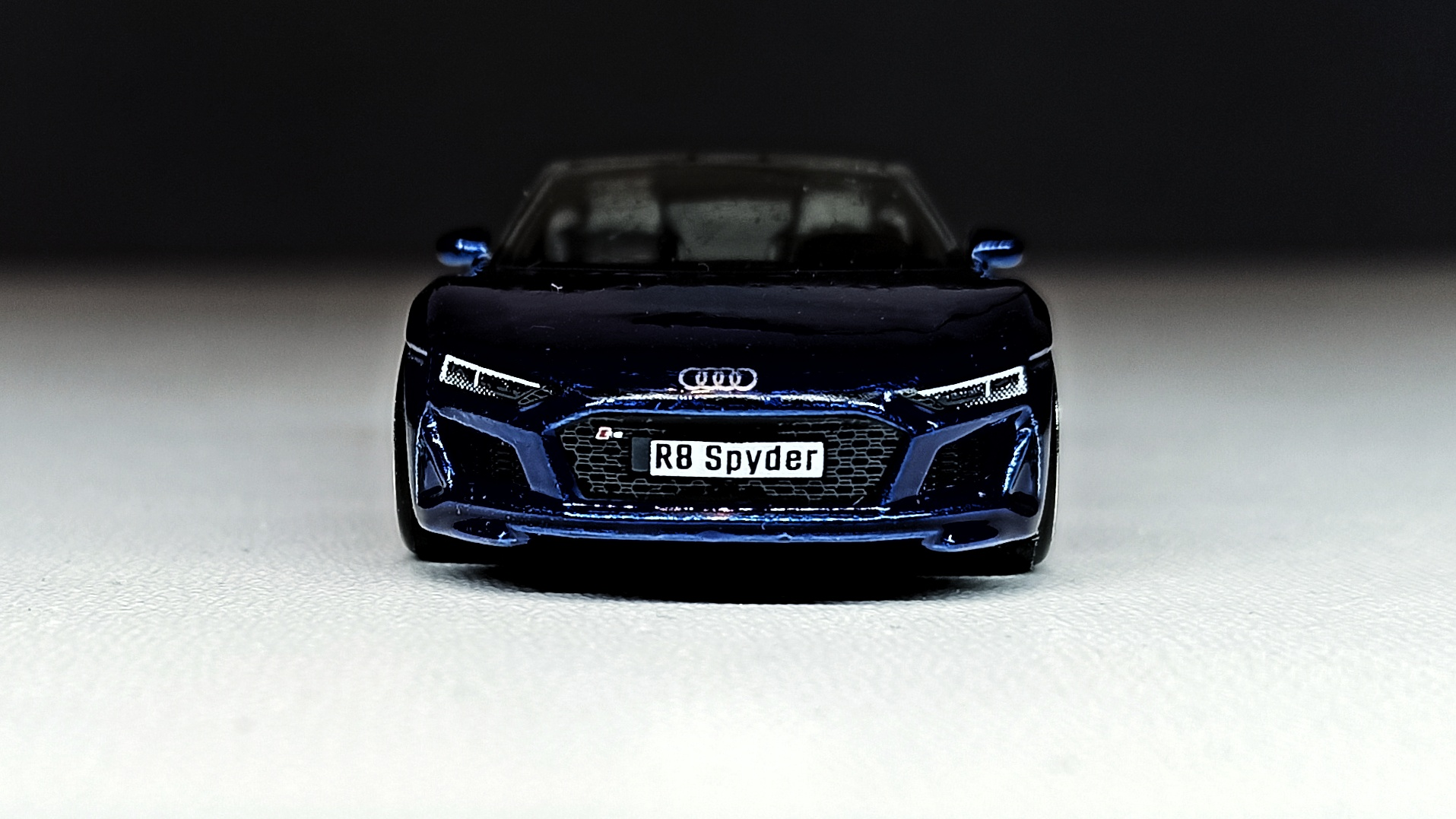 Hot Wheels 2019 Audi R8 Spyder 2021 (211/250) HW Exotics (4/10) indigo blue Super Treasure Hunt (STH) front