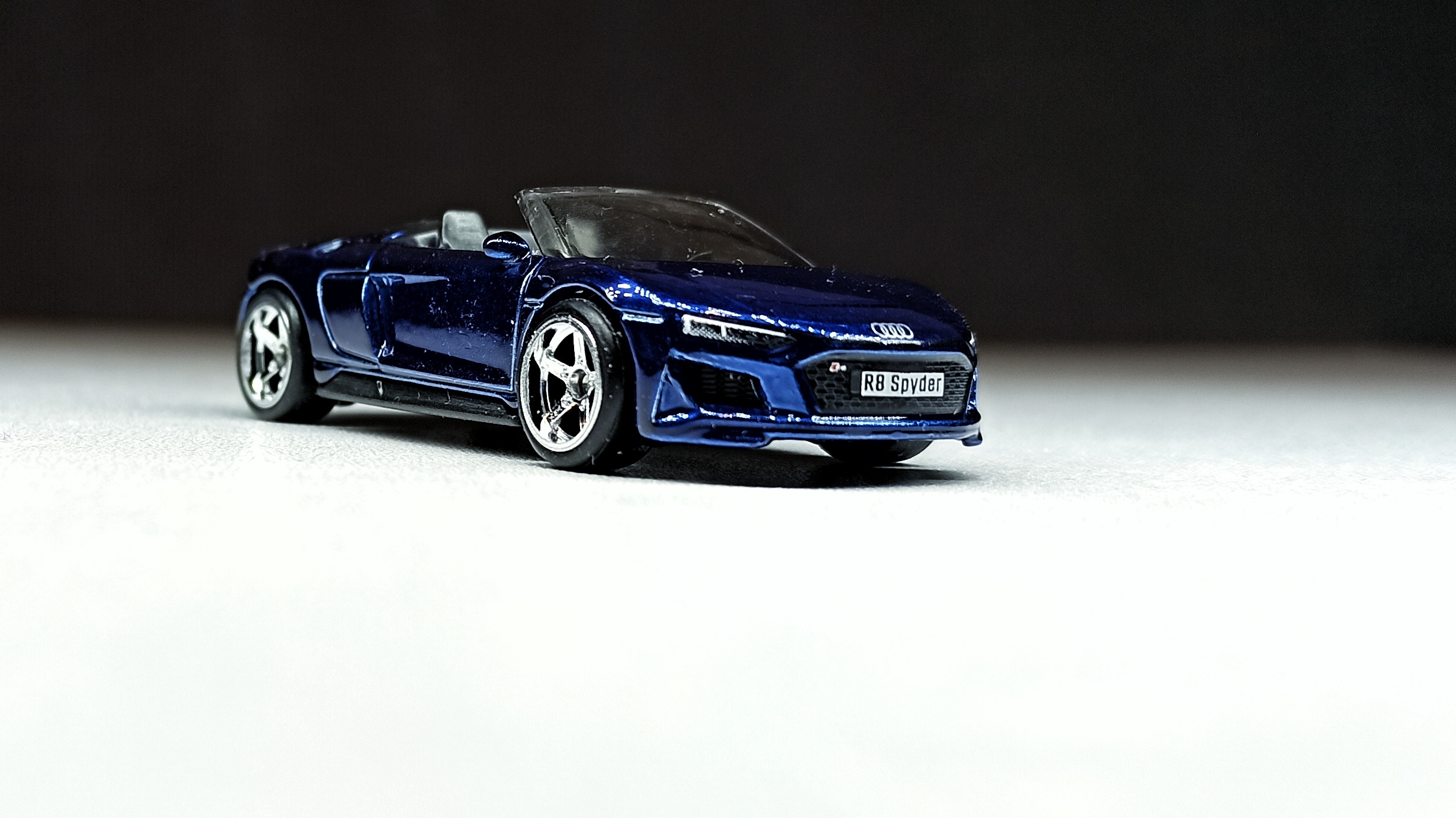 Hot Wheels 2019 Audi R8 Spyder 2021 (211/250) HW Exotics (4/10) indigo blue Super Treasure Hunt (STH) front angle