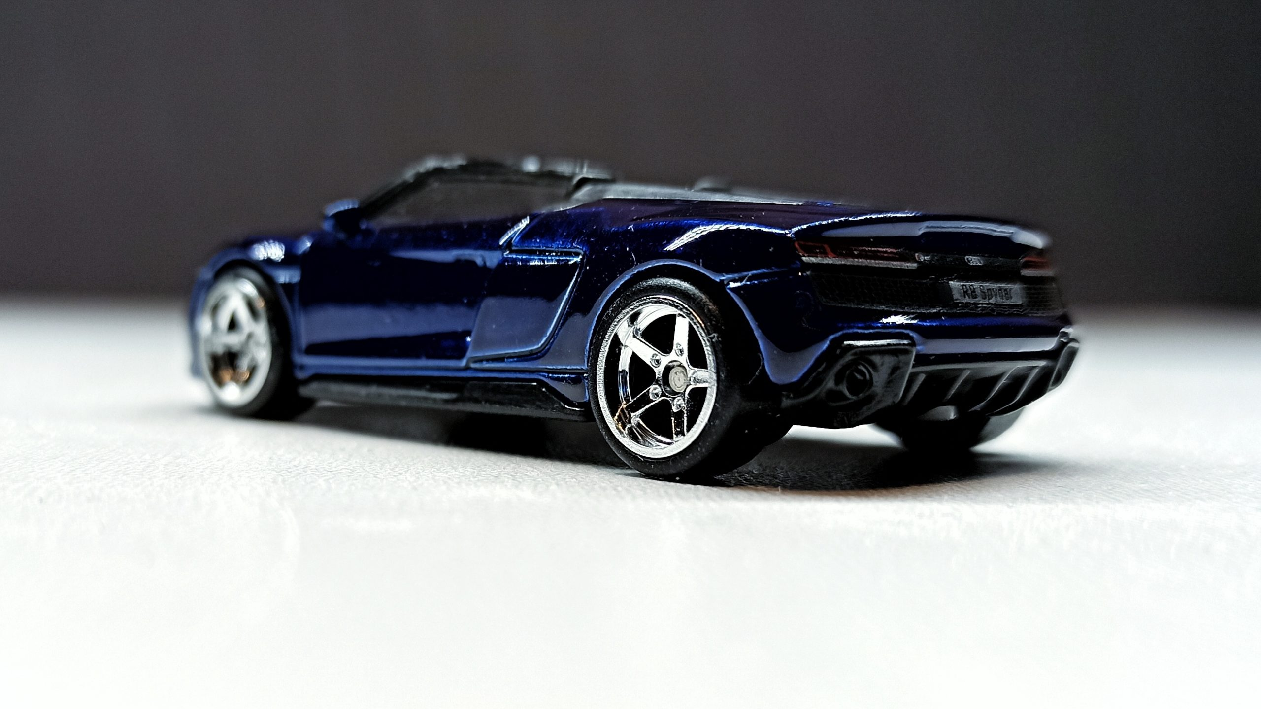 Hot Wheels 2019 Audi R8 Spyder 2021 (211/250) HW Exotics (4/10) indigo blue Super Treasure Hunt (STH) side angle