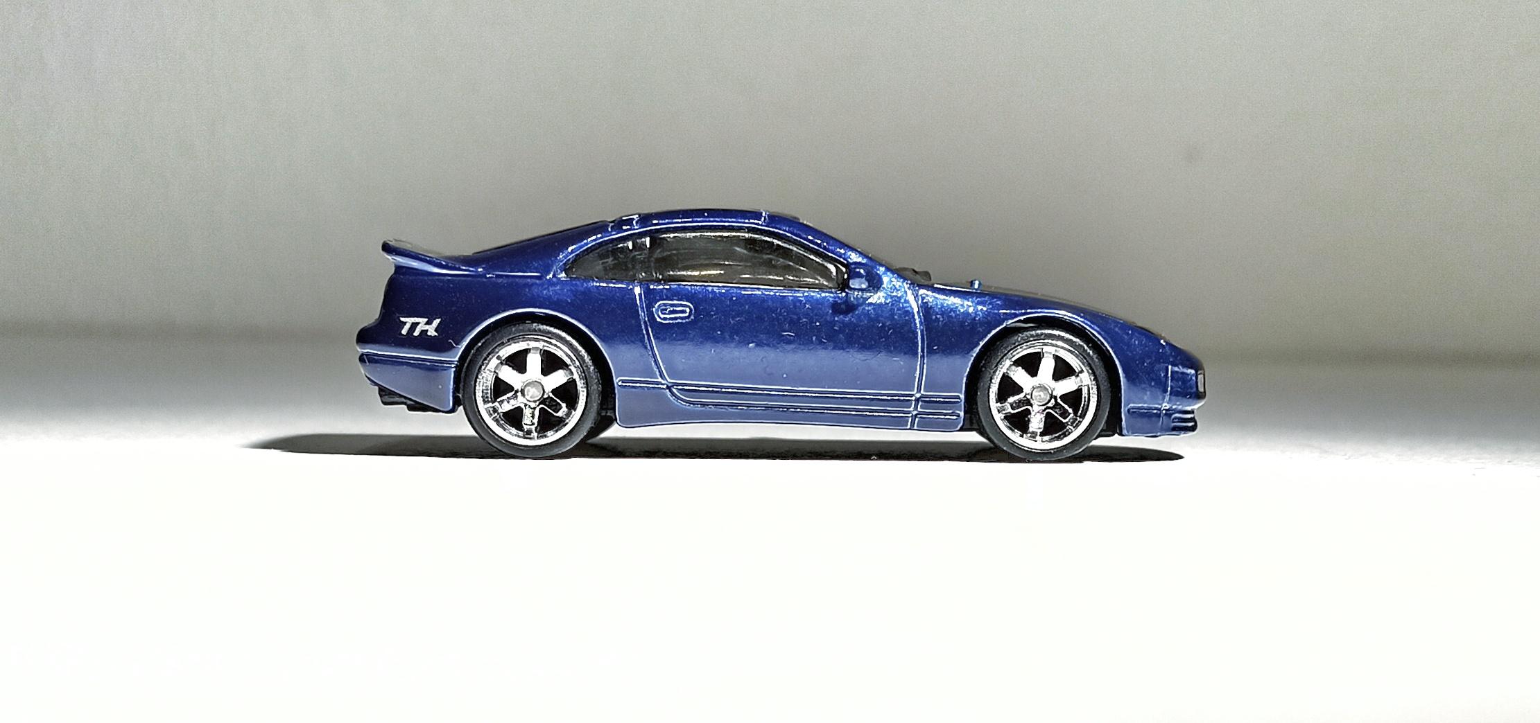 Hot Wheels Nissan 300ZX Twin Turbo (GTD10) 2021 (23/250) HW Turbo (1/5) spectraflame blue Super Treasure Hunt (STH) side view