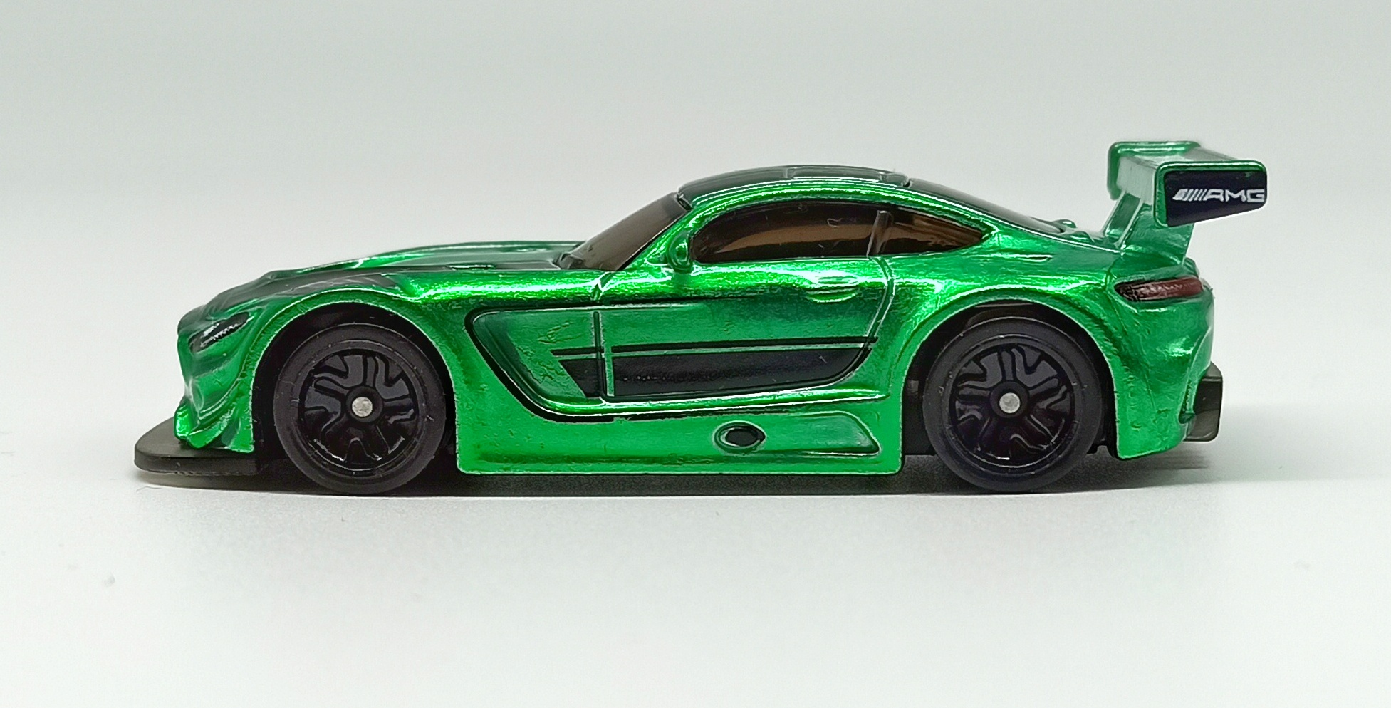 Hot Wheels id '16 Mercedes-AMG GT3 (GML21) 2021 Factory Fresh (03/04) spectraflame green side