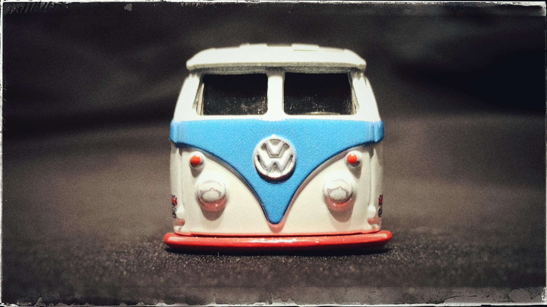 Hot Wheels Volkswagen T1 Panel Bus (GJT70) 2020 Boulevard (#3) white Magnus Walker Urban Outlaw VW front