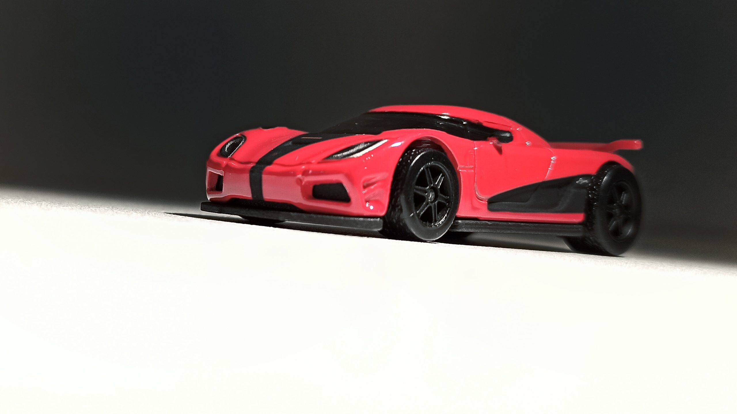 Hot Wheels Entertainment Koenigsegg Agera R (BDT86) 2014 Need for Speed red front view