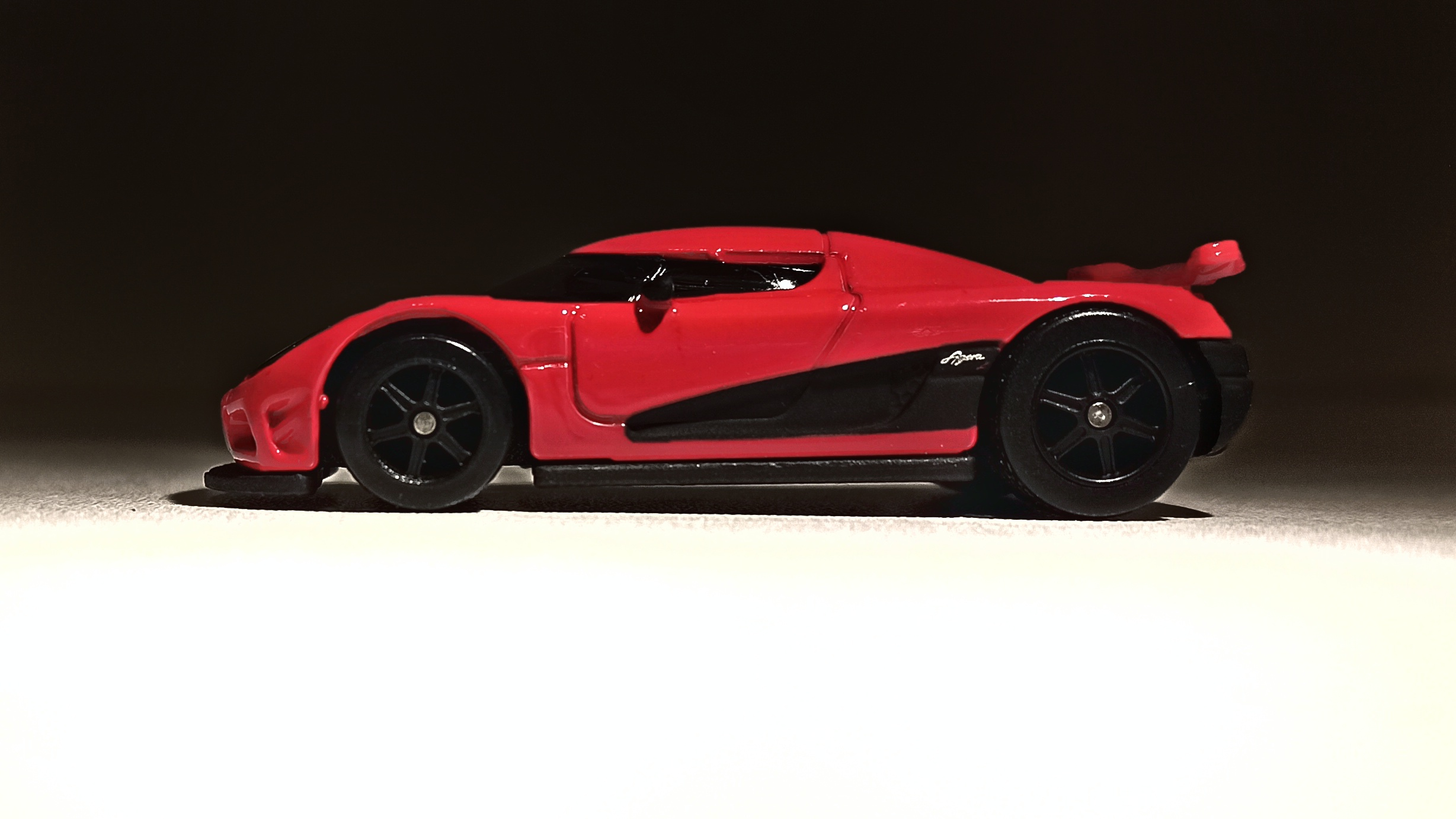Hot Wheels Entertainment Koenigsegg Agera R (BDT86) 2014 Need for Speed red side