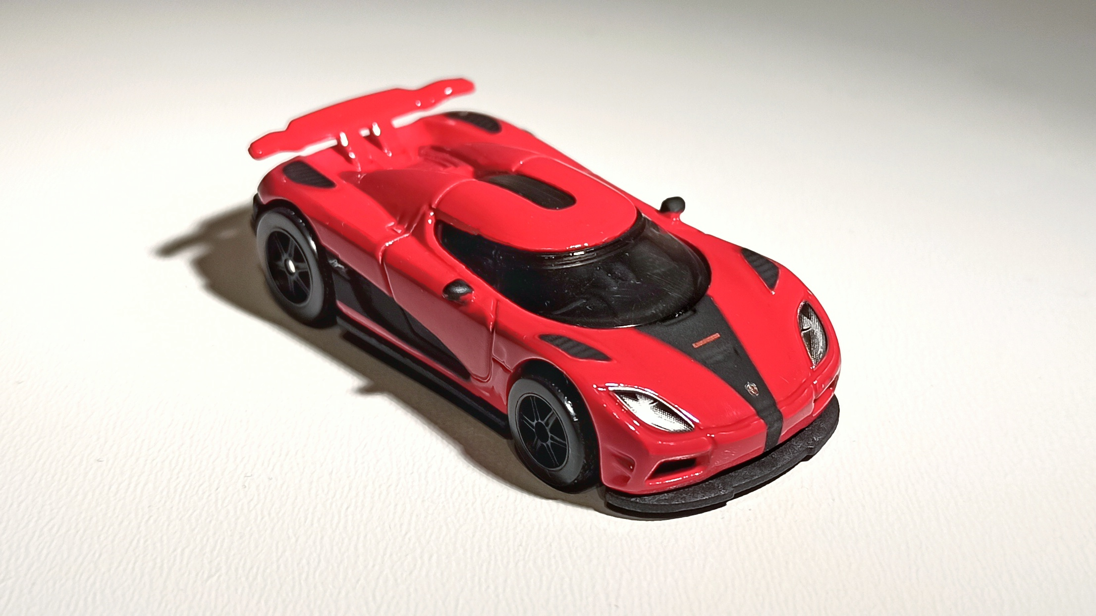 Hot Wheels Entertainment Koenigsegg Agera R (BDT86) 2014 Need for Speed red top view