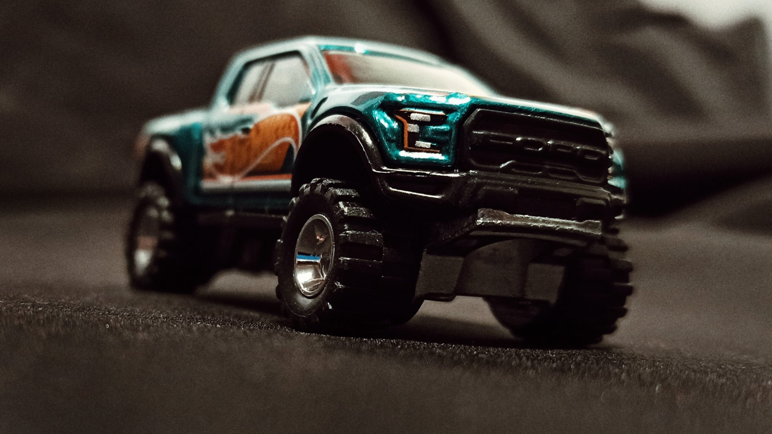 Hot Wheels '17 Ford F-150 Raptor (GTD72) 2021 Collector Edition (Dollar General Mail-in) spectraflame aqua green front angle