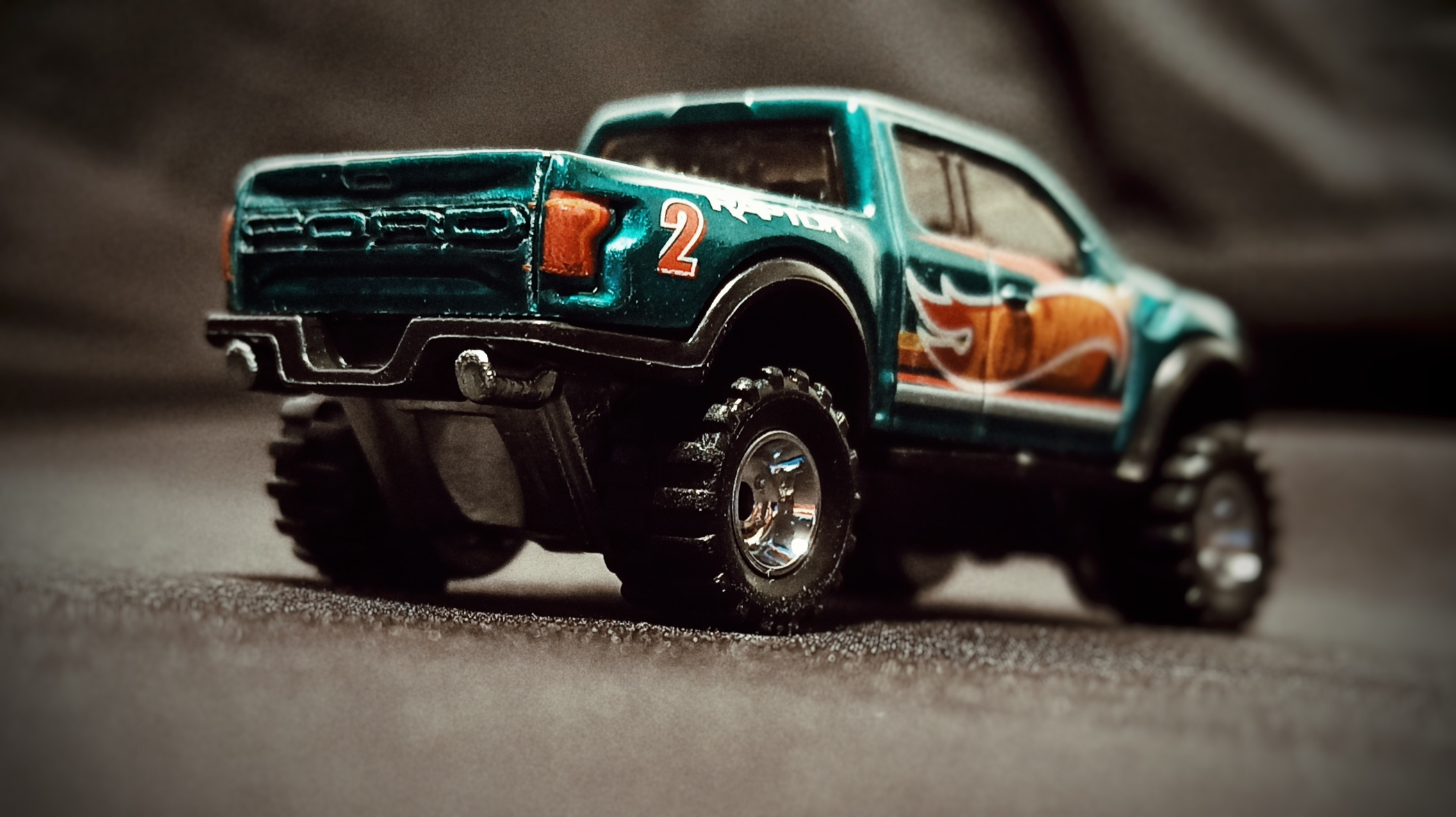 Hot Wheels '17 Ford F-150 Raptor (GTD72) 2021 Collector Edition (Dollar General Mail-in) spectraflame aqua green side angle