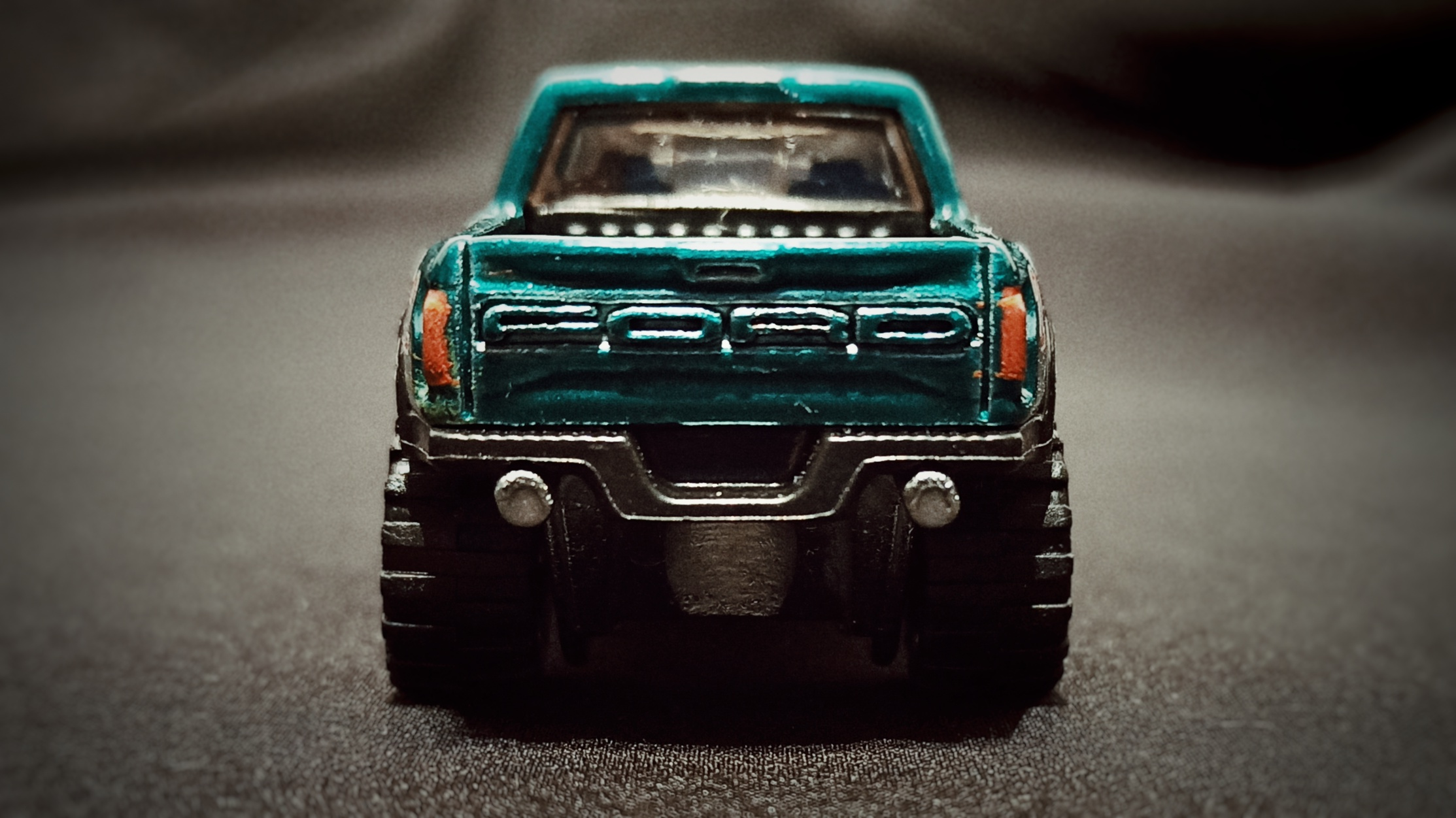 Hot Wheels '17 Ford F-150 Raptor (GTD72) 2021 Collector Edition (Dollar General Mail-in) spectraflame aqua green back