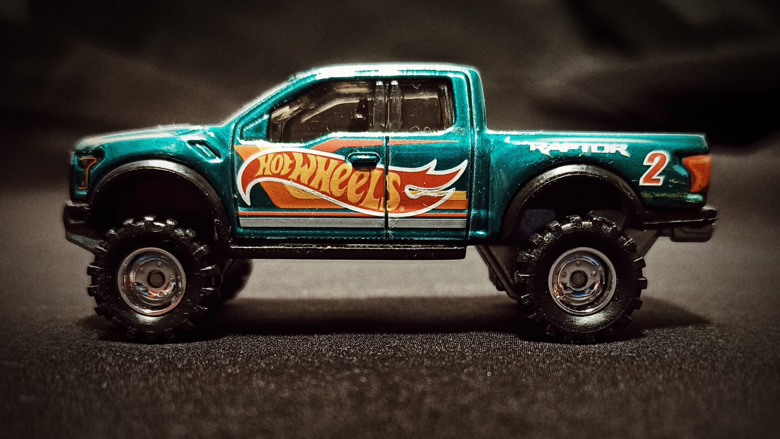 Hot Wheels '17 Ford F-150 Raptor (GTD72) 2021 Collector Edition (Dollar General Mail-in) spectraflame aqua green side