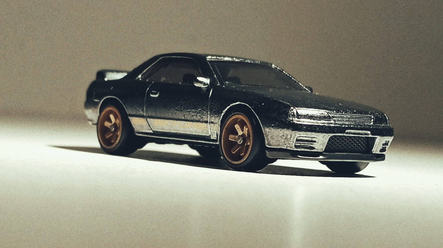 Hot Wheels Nissan Skyline GT-R (BNR32) (GHG23) 2020 (2/250) HW Turbo (5/5) spectraflame gunmetal grey Super Treasure Hunt (STH) front angle