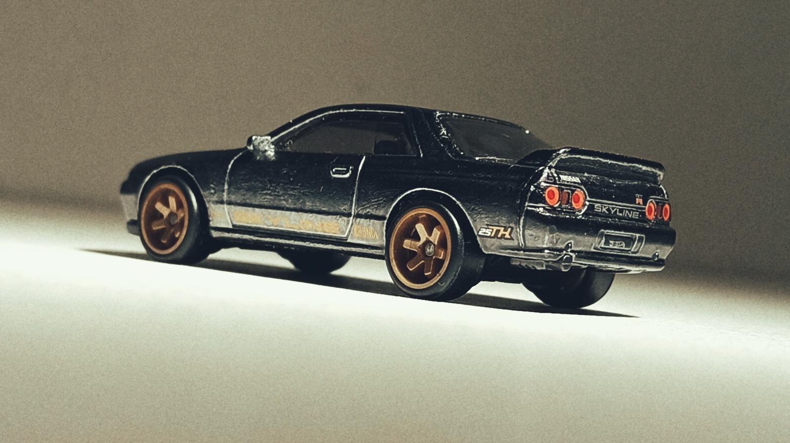 Hot Wheels Nissan Skyline GT-R (BNR32) (GHG23) 2020 (2/250) HW Turbo (5/5) spectraflame gunmetal grey Super Treasure Hunt (STH) side angle