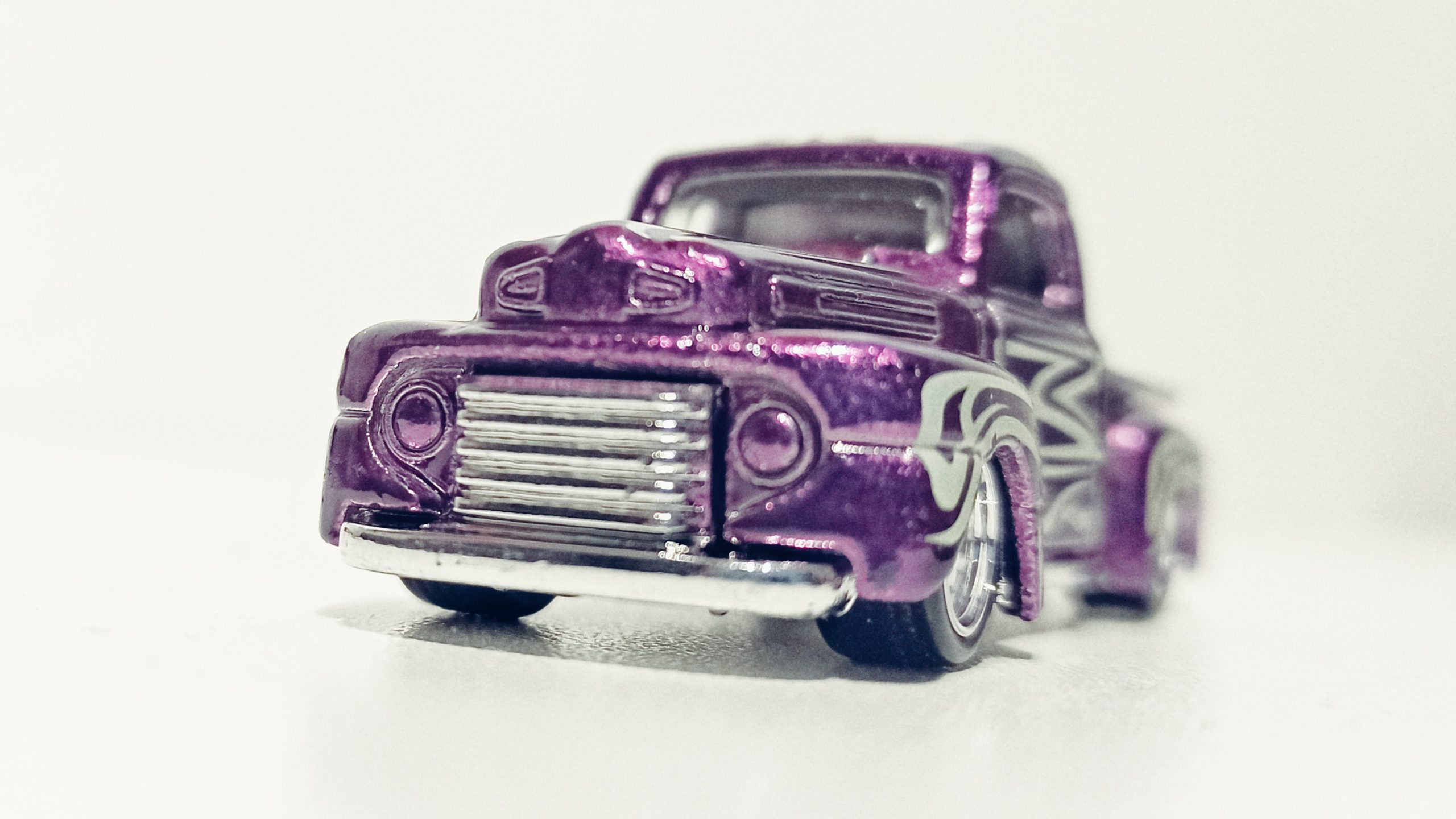 Hot Wheels '49 Ford F1 (GTD03) 2021 (225/250) HW Hot Trucks (6/10) spectraflame purple Super Treasure Hunt (STH) front angle