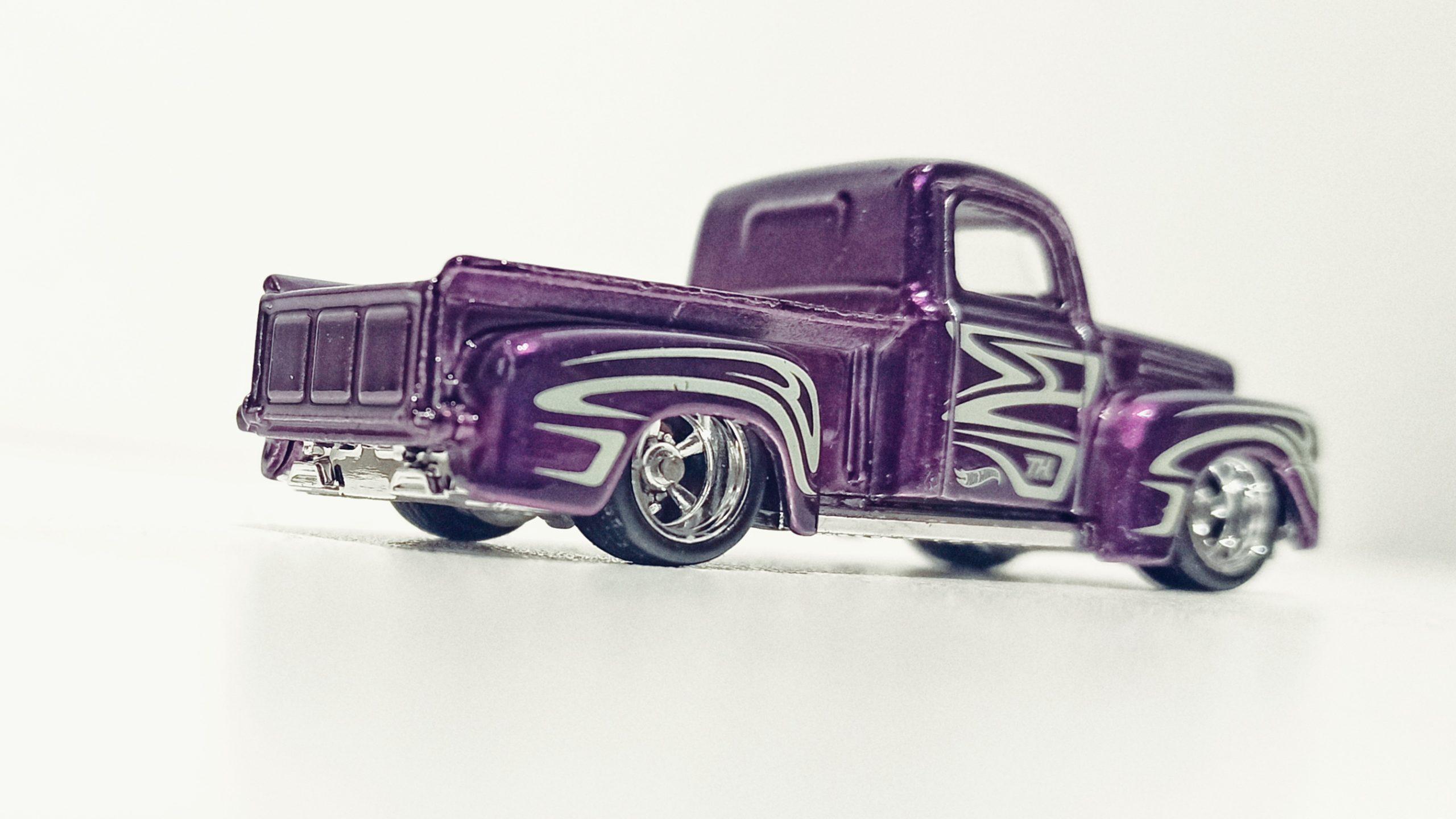 Hot Wheels '49 Ford F1 (GTD03) 2021 (225/250) HW Hot Trucks (6/10) spectraflame purple Super Treasure Hunt (STH) side angle