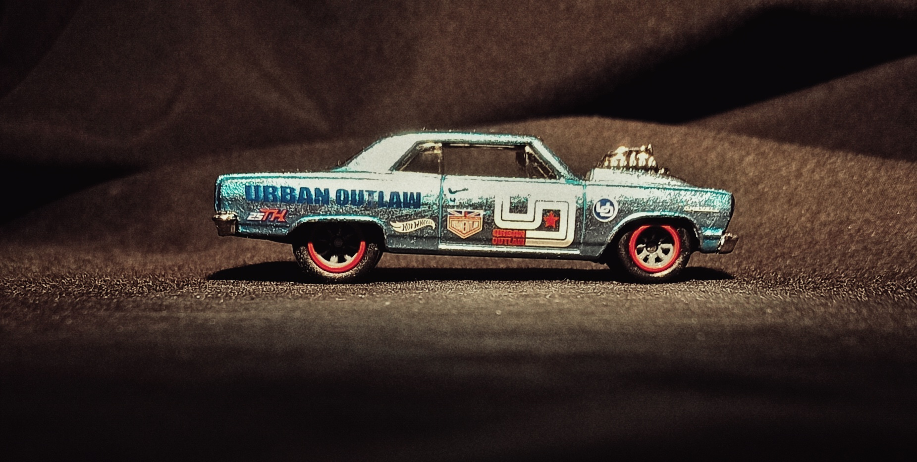 Hot Wheels '64 Chevy Chevelle SS (GHG25) 2020 (247/250) Nightburnerz (10/10) spectraflame light blue Magnus Walker Urban Outlaw Super Treasure Hunt (STH) side