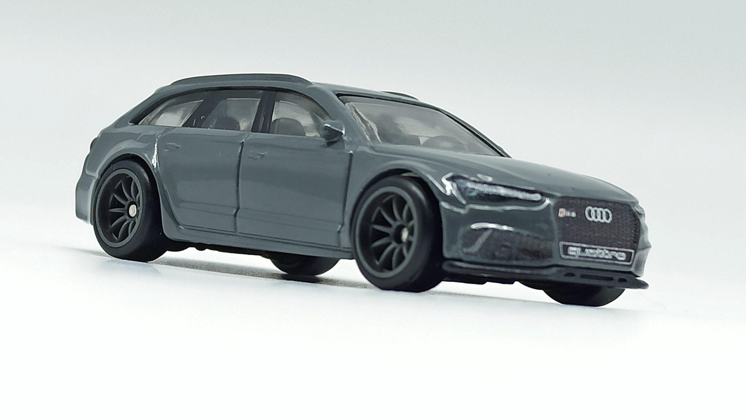 Hot Wheels '17 Audi RS 6 Avant (GRJ65) 2021 Car Culture: Fast Wagons (5/5) grey front angle
