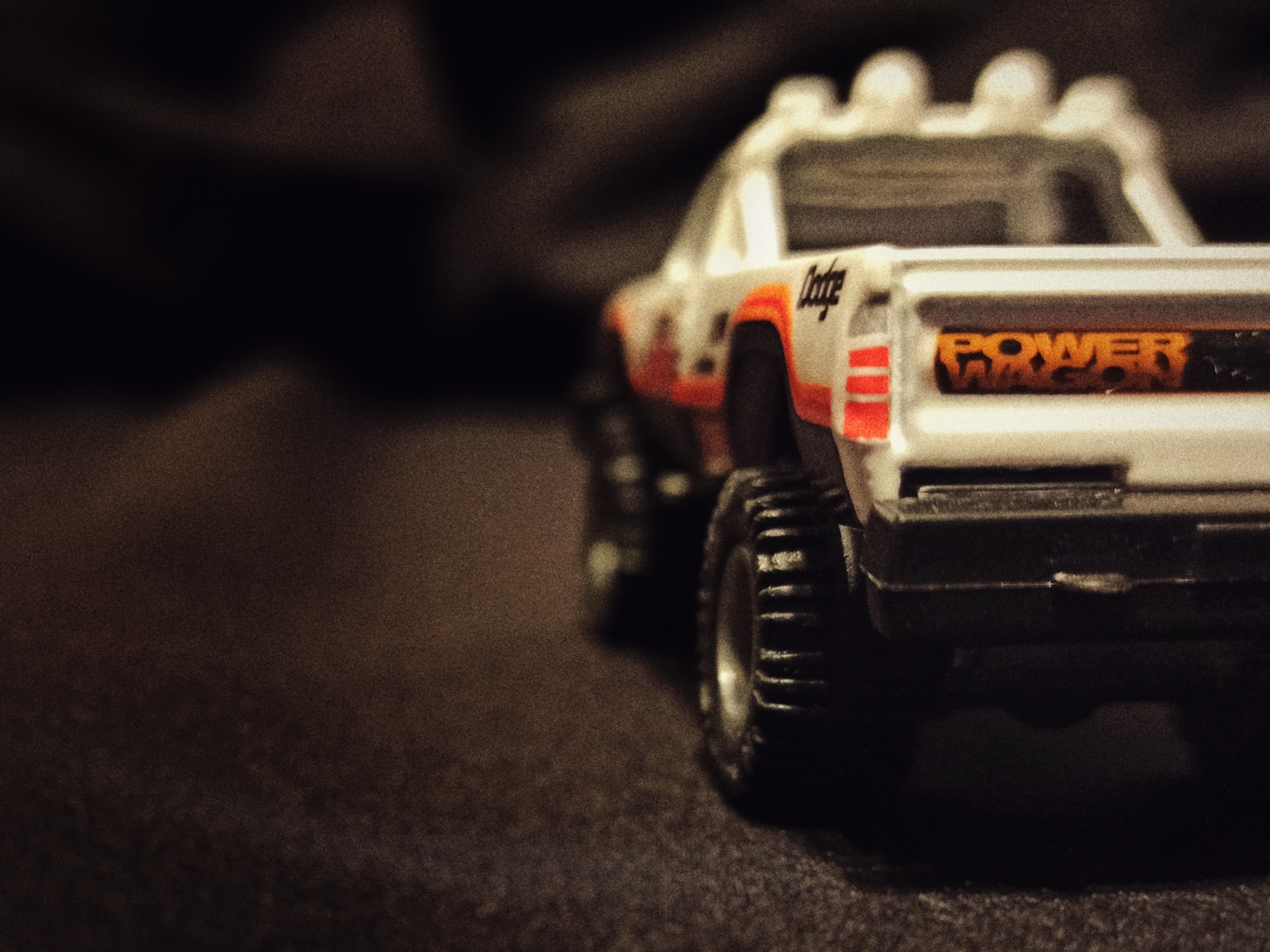 Hot Wheels 1980 Dodge Macho Power Wagon (FYN73) 2019 Car Culture: Desert Rally (2/5) white back