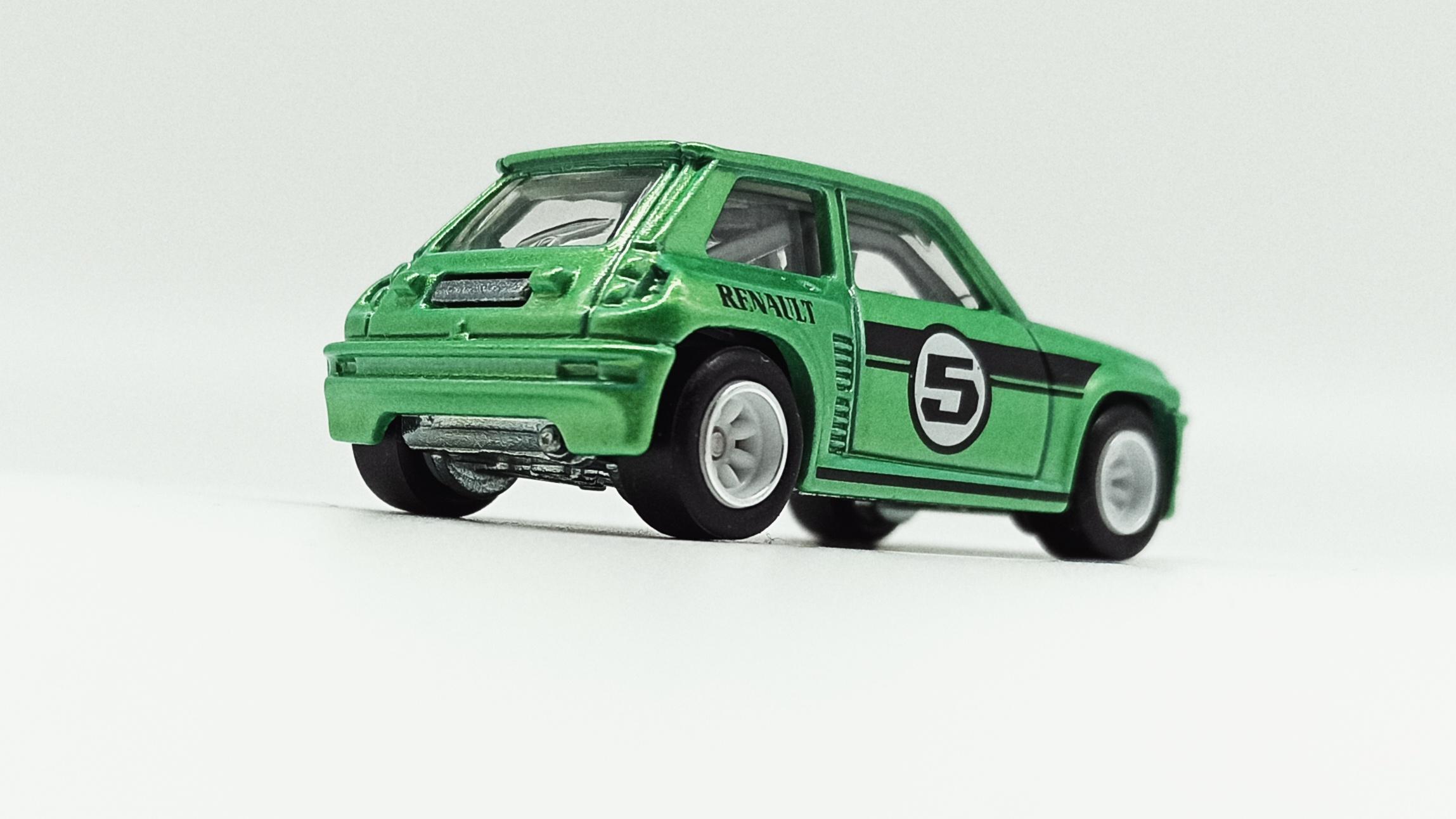 Hot Wheels Renault 5 Turbo (X8244) 2013 Boulevard metalflake green back angle