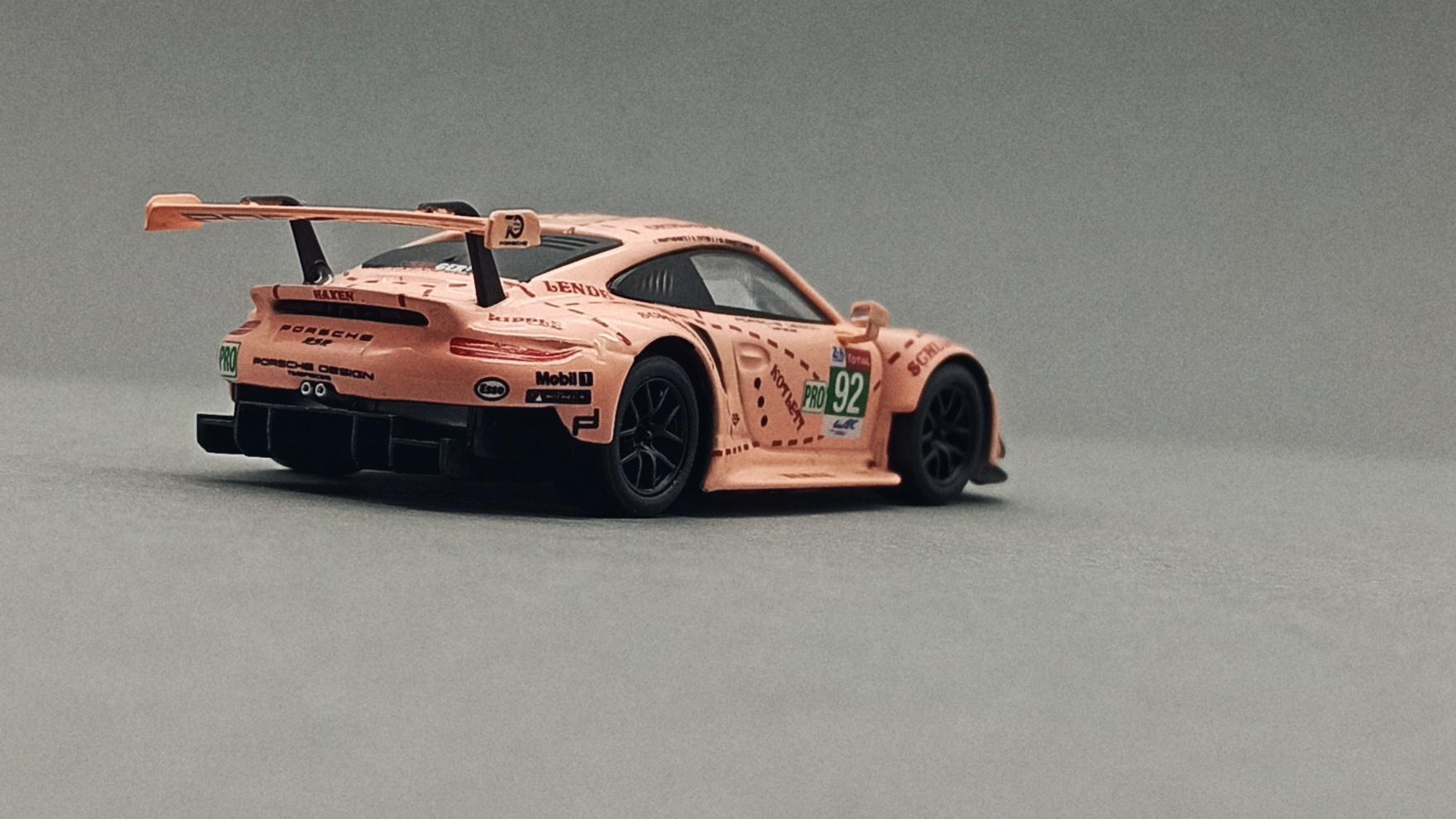 Spark Models Porsche 911 RSR (Y122) 2018 pink (pig tribute) Sparky back angle
