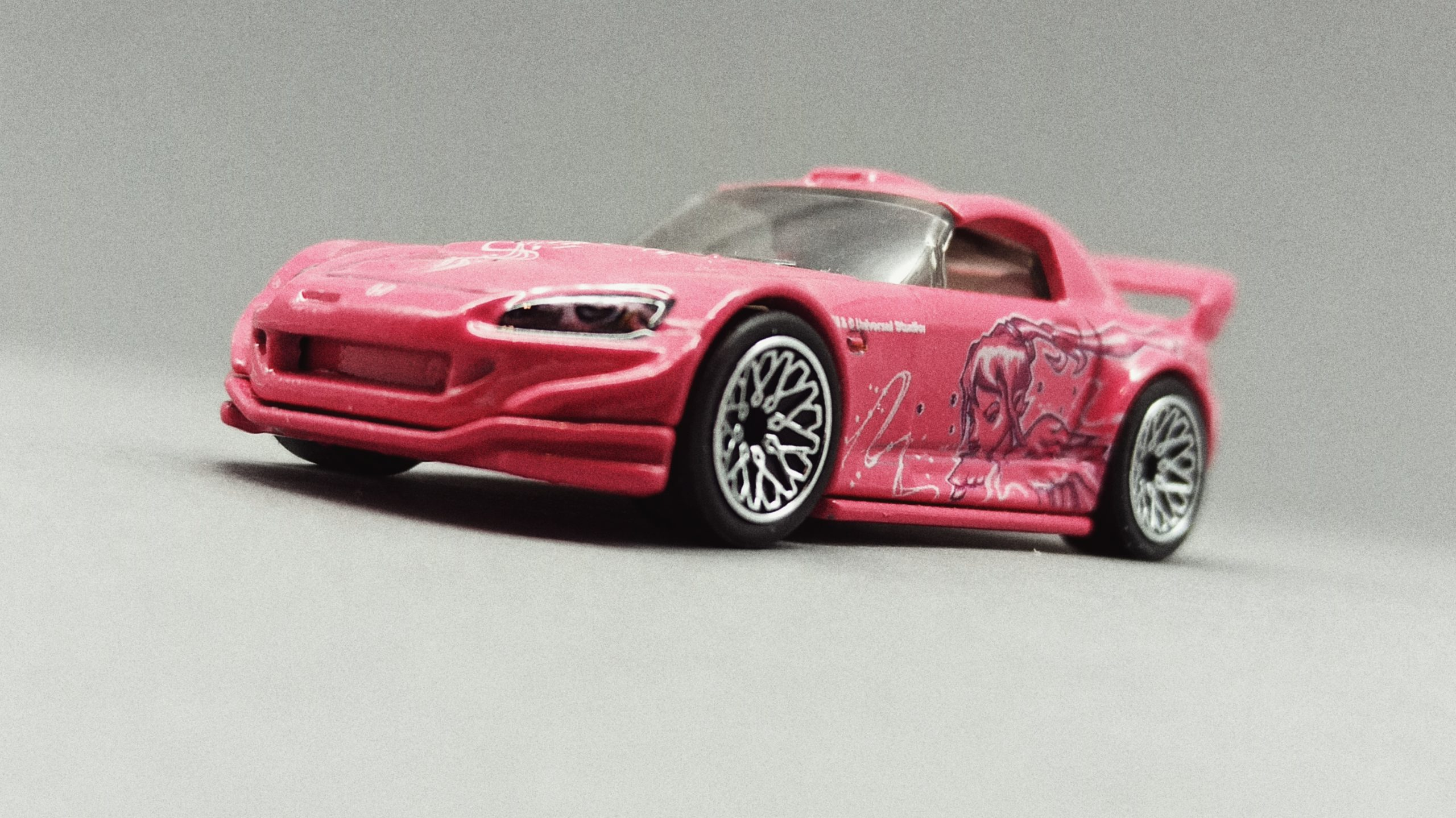 Hot Wheels Honda S2000 (GJR81) 2020 Fast & Furious: Quick Shifters (1/5) pink front angle