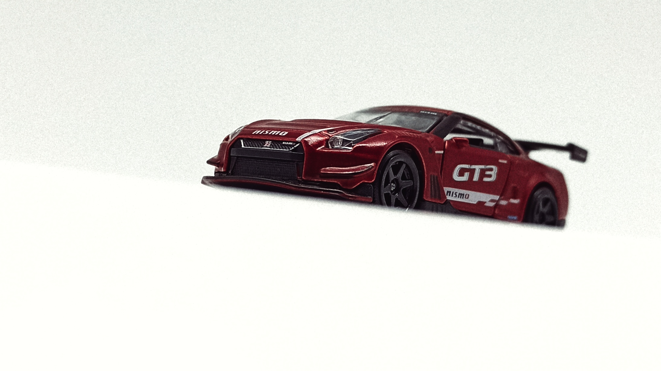Majorette Nissan GT-R Nismo GT3 (214H) 2021 Limited Edition Series 7 metallic red front angle