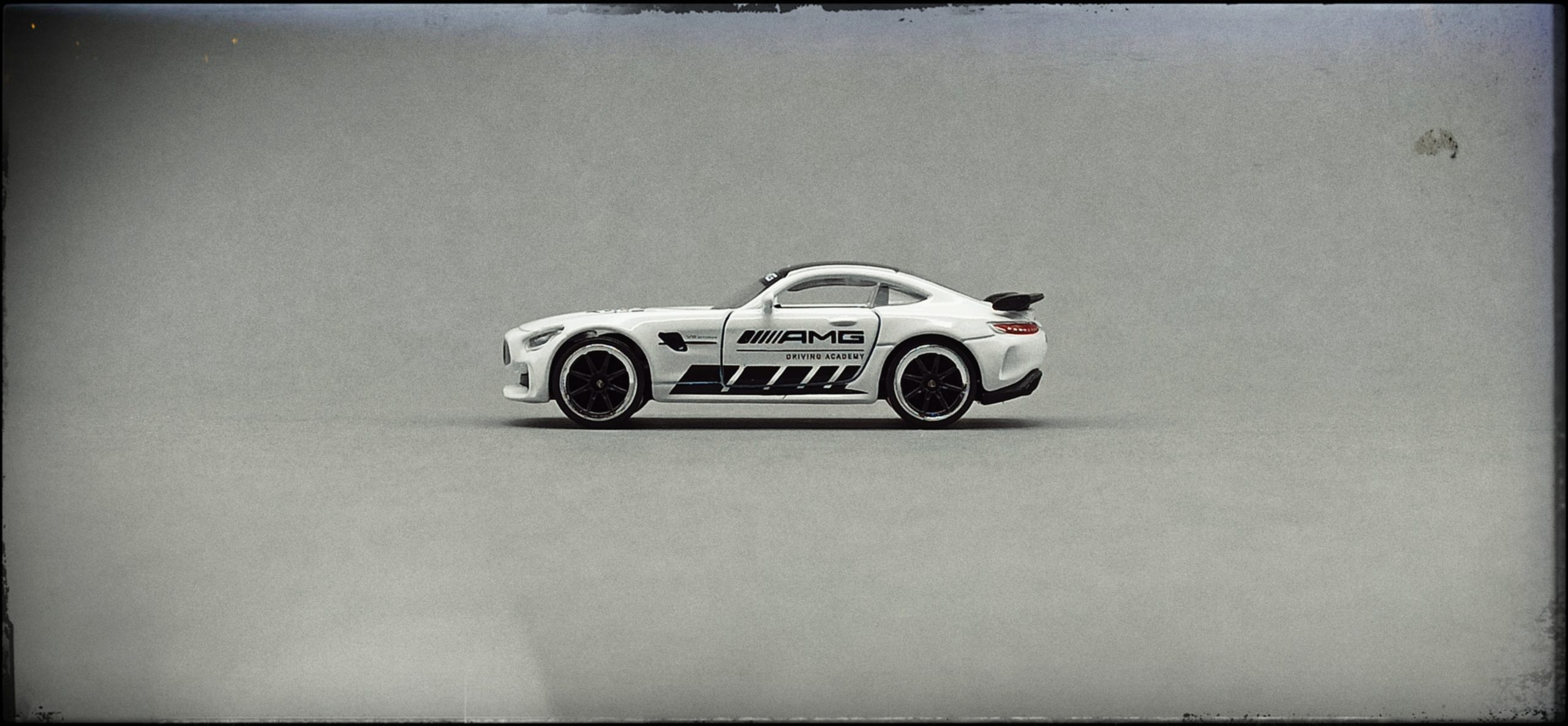 Majorette Mercedes-AMG GT R (9613) 2020 Racing Cars white side