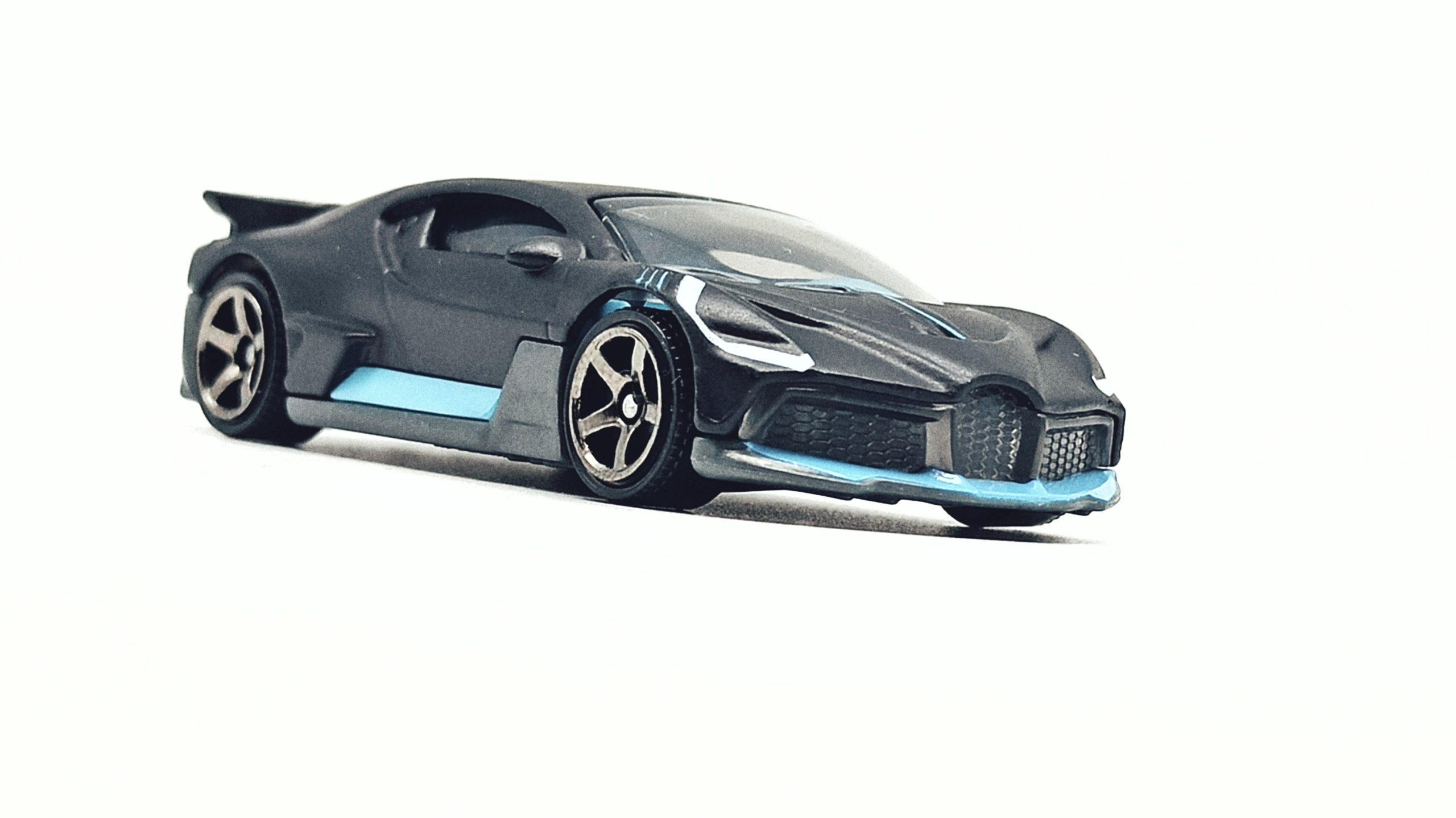 Matchbox 2018 Bugatti Divo (MB39) 2021 MBX Showroom matte black front angle