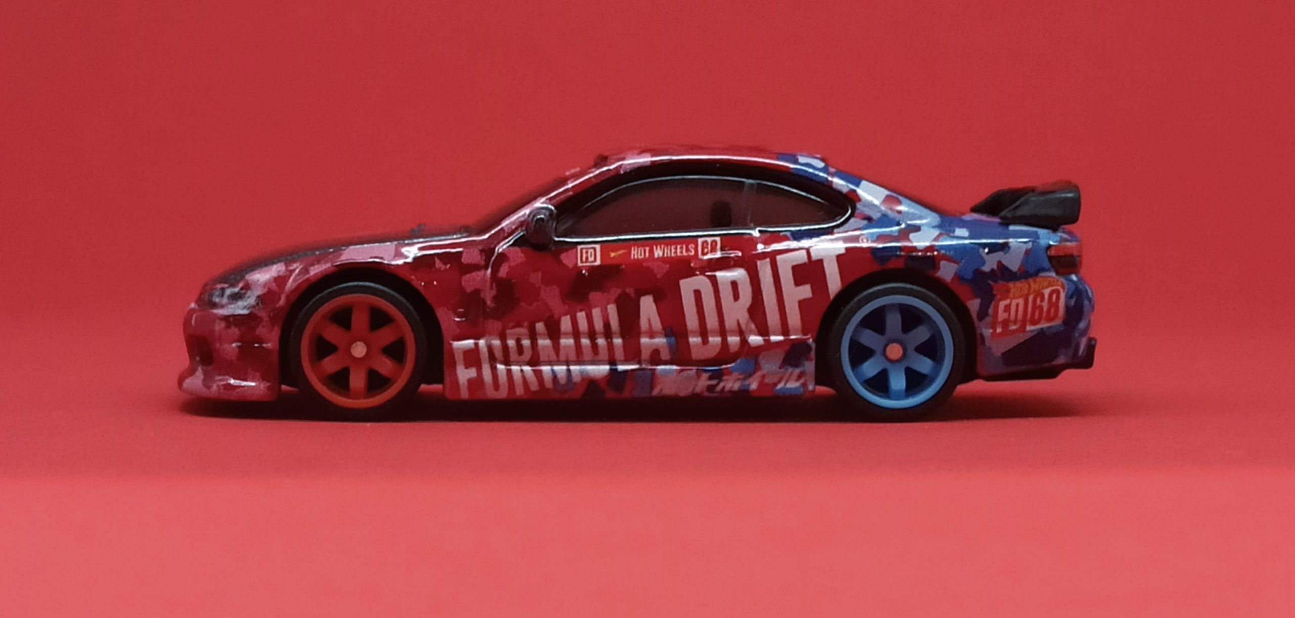 Hot Wheels Nissan Silvia S15 2018 model (GRB46) 2020 Hot Wheels Boulevard #7 Formula Drift red & blue side