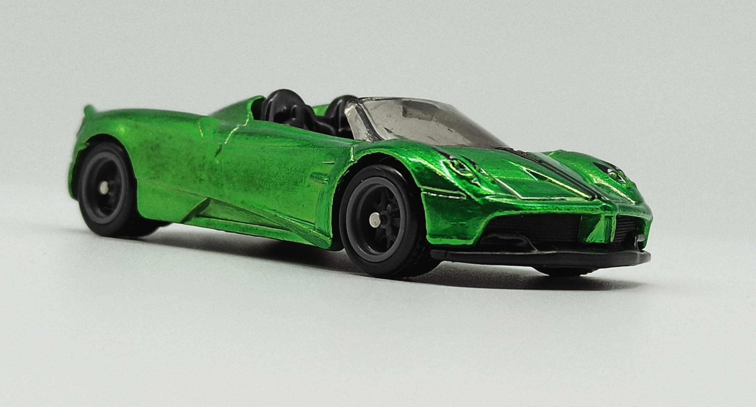 Hot Wheels '17 Pagani Huayra Roadster (GHG21) 2020 (241/250) HW Roadsters (5/5) spectraflame green Super Treasure Hunt (STH) front angle