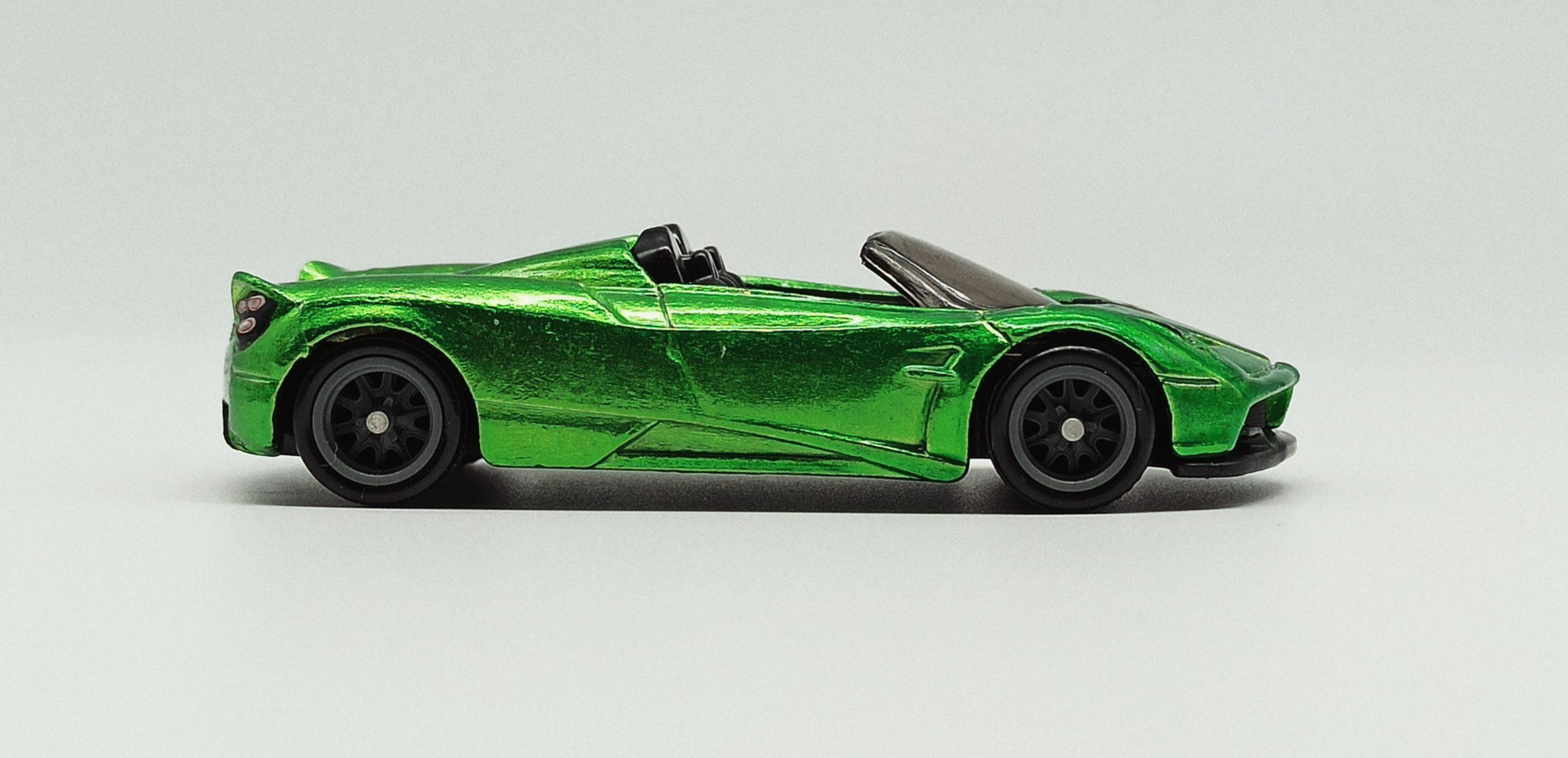 Hot Wheels '17 Pagani Huayra Roadster (GHG21) 2020 (241/250) HW Roadsters (5/5) spectraflame green Super Treasure Hunt (STH) side