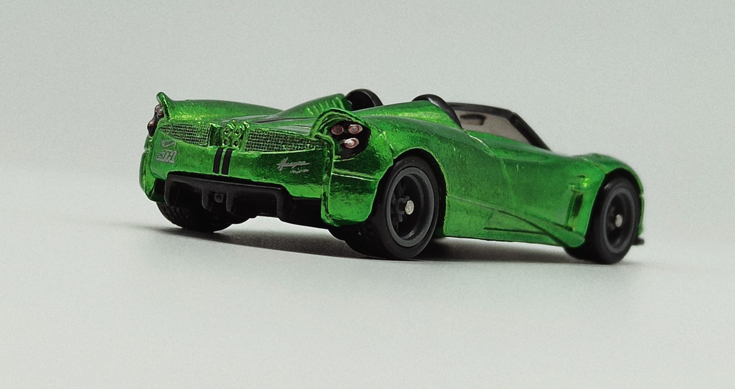 Hot Wheels '17 Pagani Huayra Roadster (GHG21) 2020 (241/250) HW Roadsters (5/5) spectraflame green Super Treasure Hunt (STH)back angle