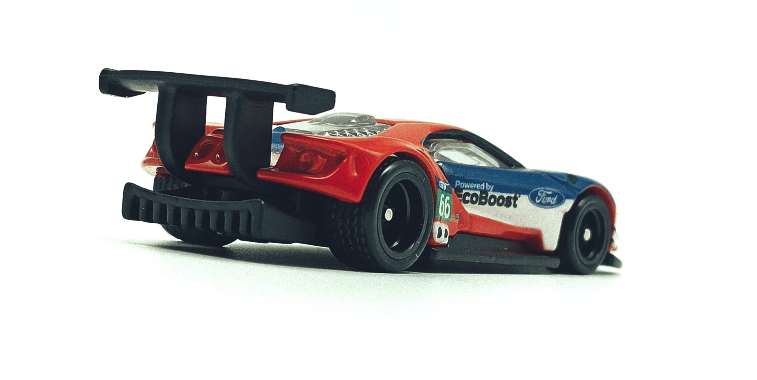 Hot Wheels 2016 Ford GT Race (FLC26) 2018 Car Culture: Circuit Legends (4/5) red & blue back angle