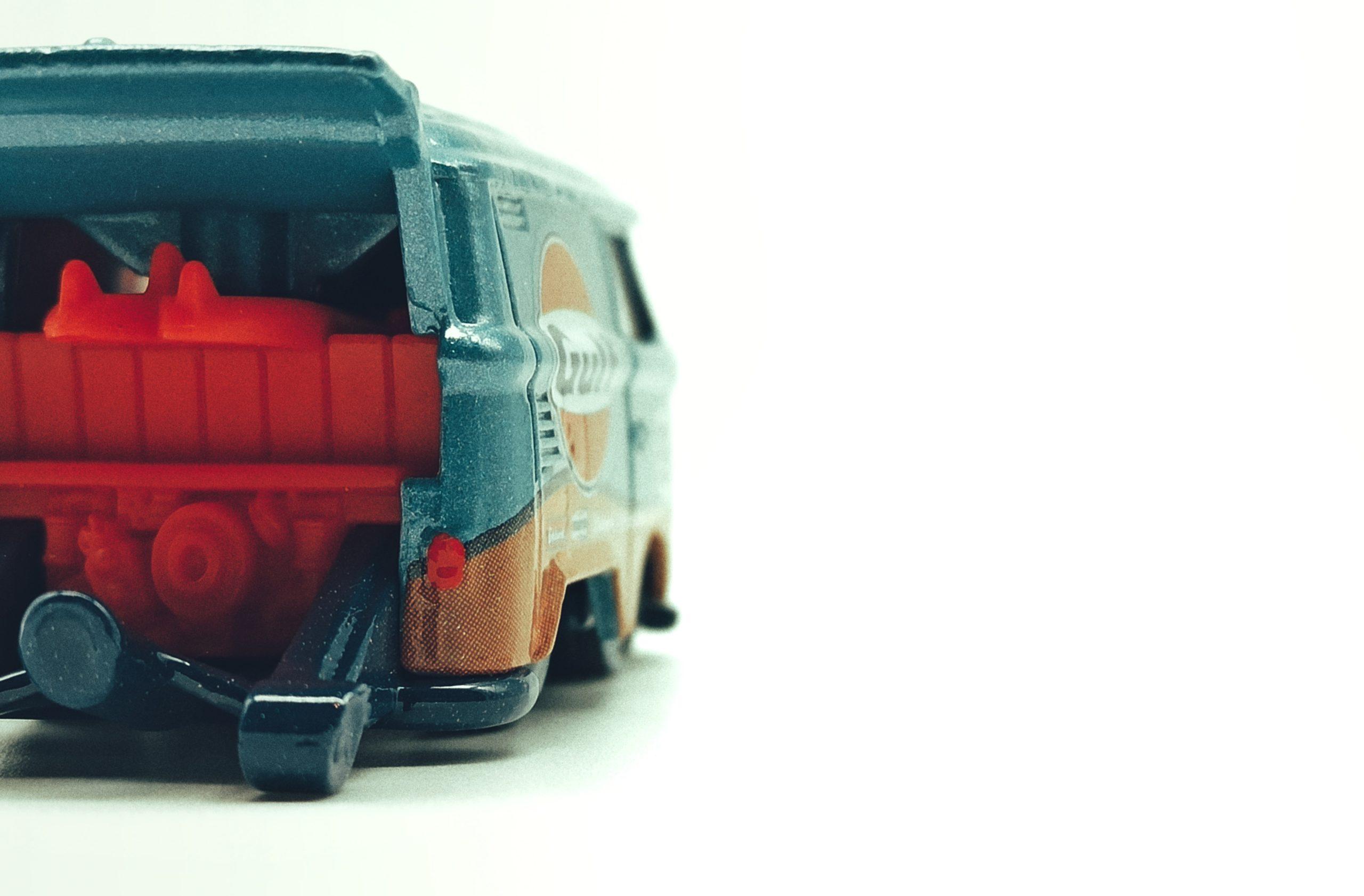 Hot Wheels Volkswagen Kool Kombi spectraflame light blue (Gulf) Custom VW back angle