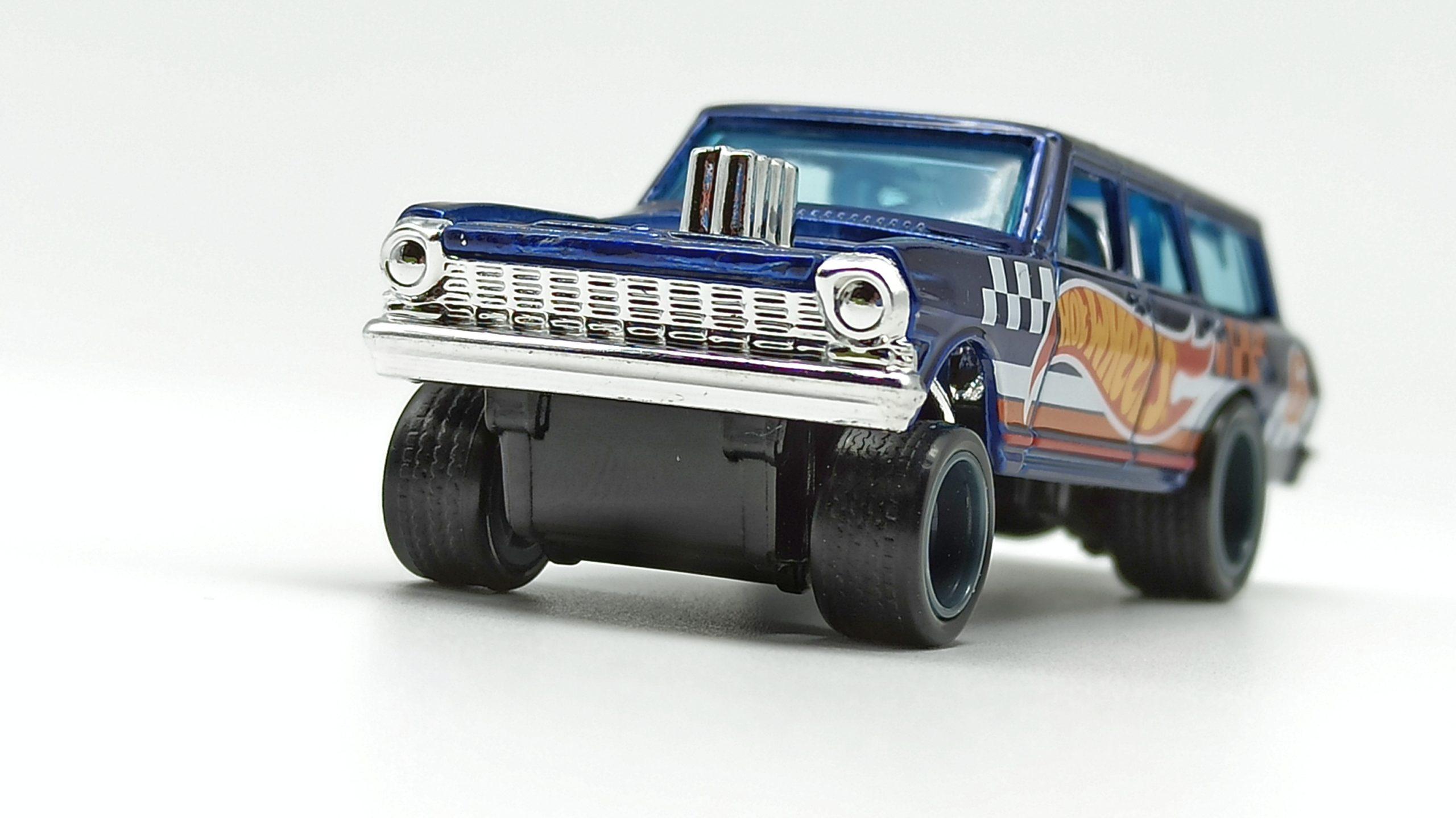 Hot Wheels '64 Chevy Nova Wagon Gasser (GTD06) 2021 (232/250) HW Race Team (7/10) spectraflame blue Super Treasure Hunt (STH) front angle
