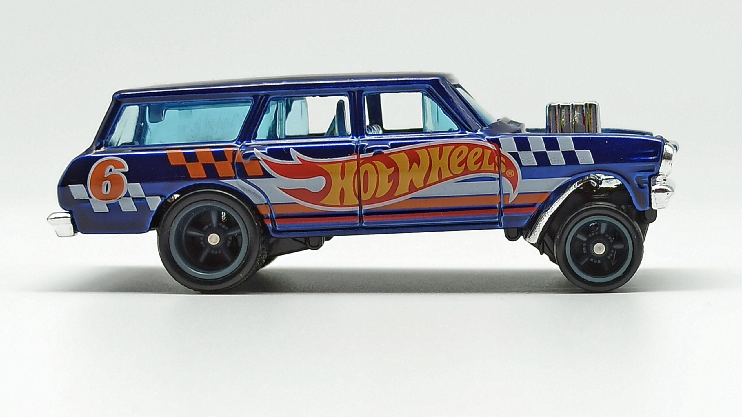 Hot Wheels '64 Chevy Nova Wagon Gasser (GTD06) 2021 (232/250) HW Race Team (7/10) spectraflame blue Super Treasure Hunt (STH) side