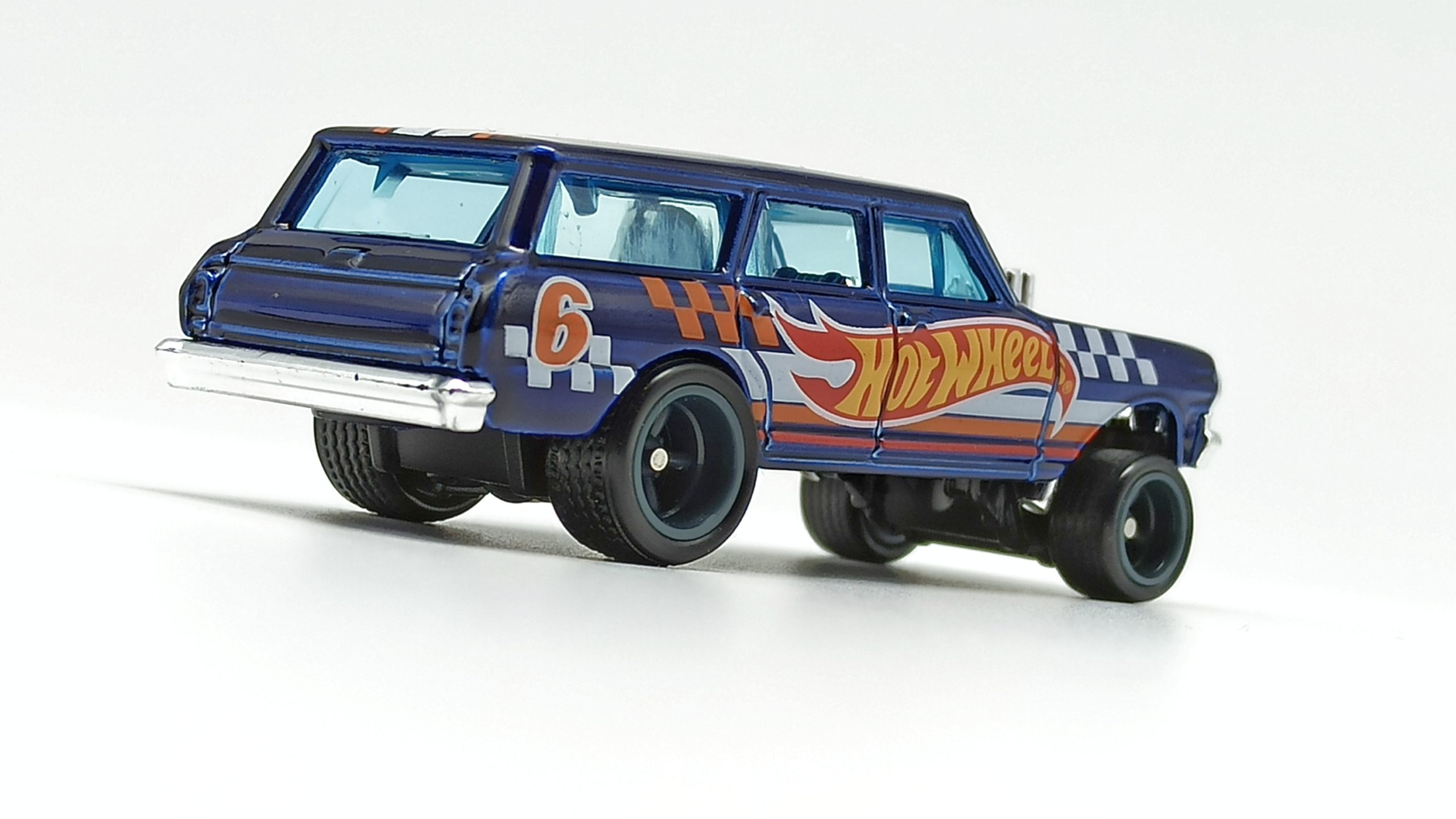 Hot Wheels '64 Chevy Nova Wagon Gasser (GTD06) 2021 (232/250) HW Race Team (7/10) spectraflame blue Super Treasure Hunt (STH) side angle