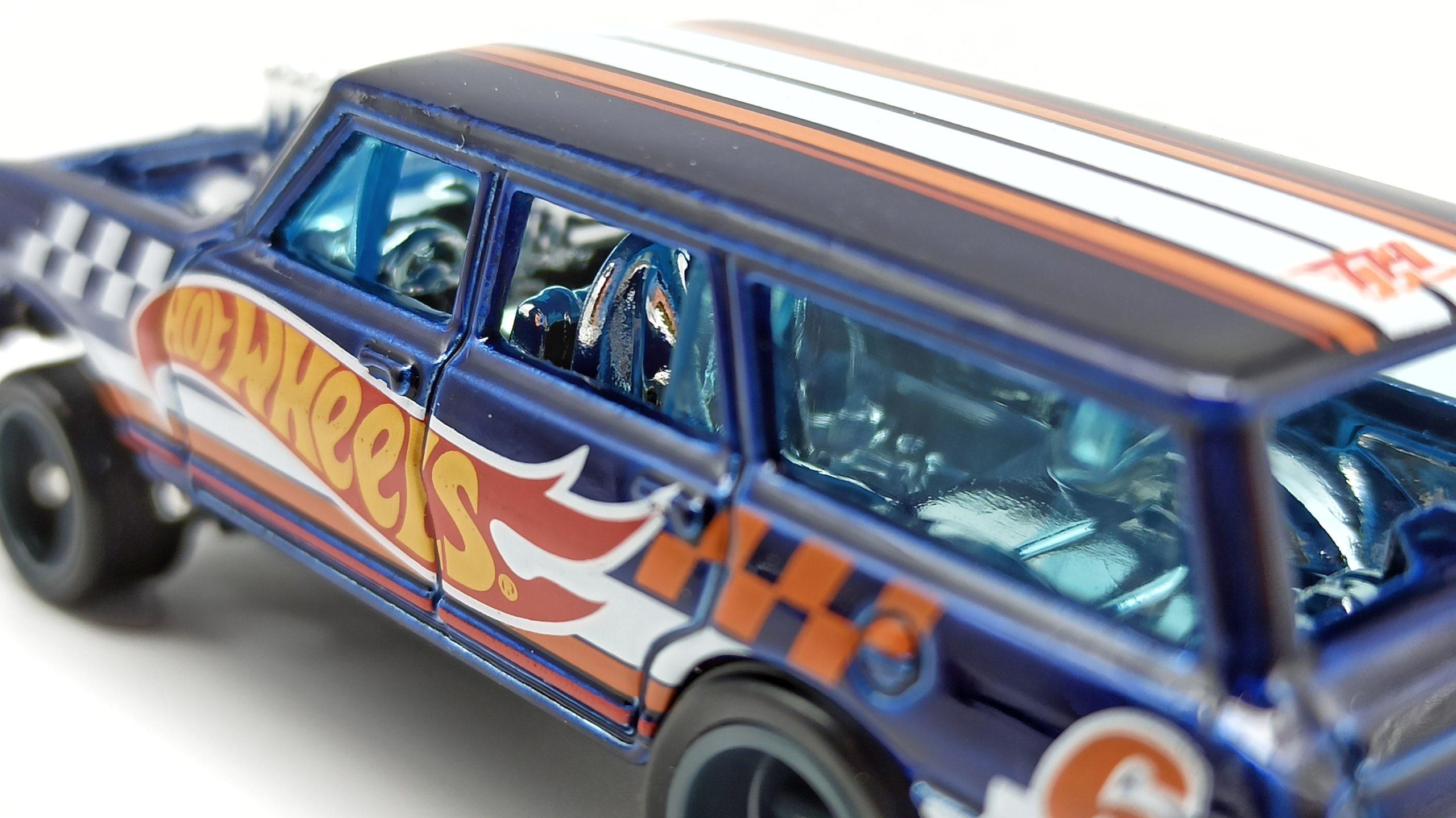 Hot Wheels '64 Chevy Nova Wagon Gasser (GTD06) 2021 (232/250) HW Race Team (7/10) spectraflame blue Super Treasure Hunt (STH) interior