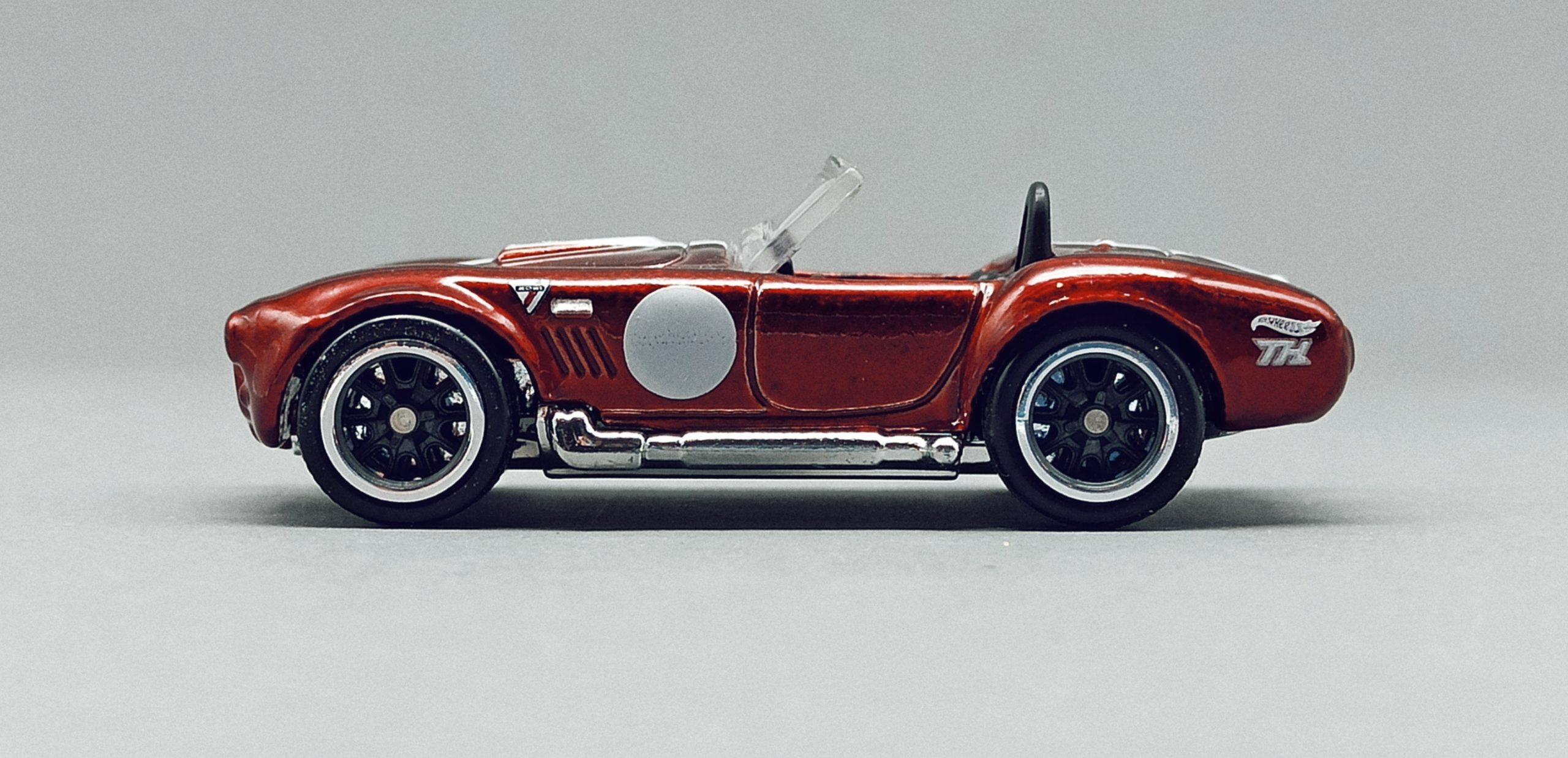 Hot Wheels Classic Cobra (Shelby Cobra 427 S/C) (GTD13) 2021 (250/250) Muscle Mania (10/10) spectraflame red Super Treasure Hunt (STH) side