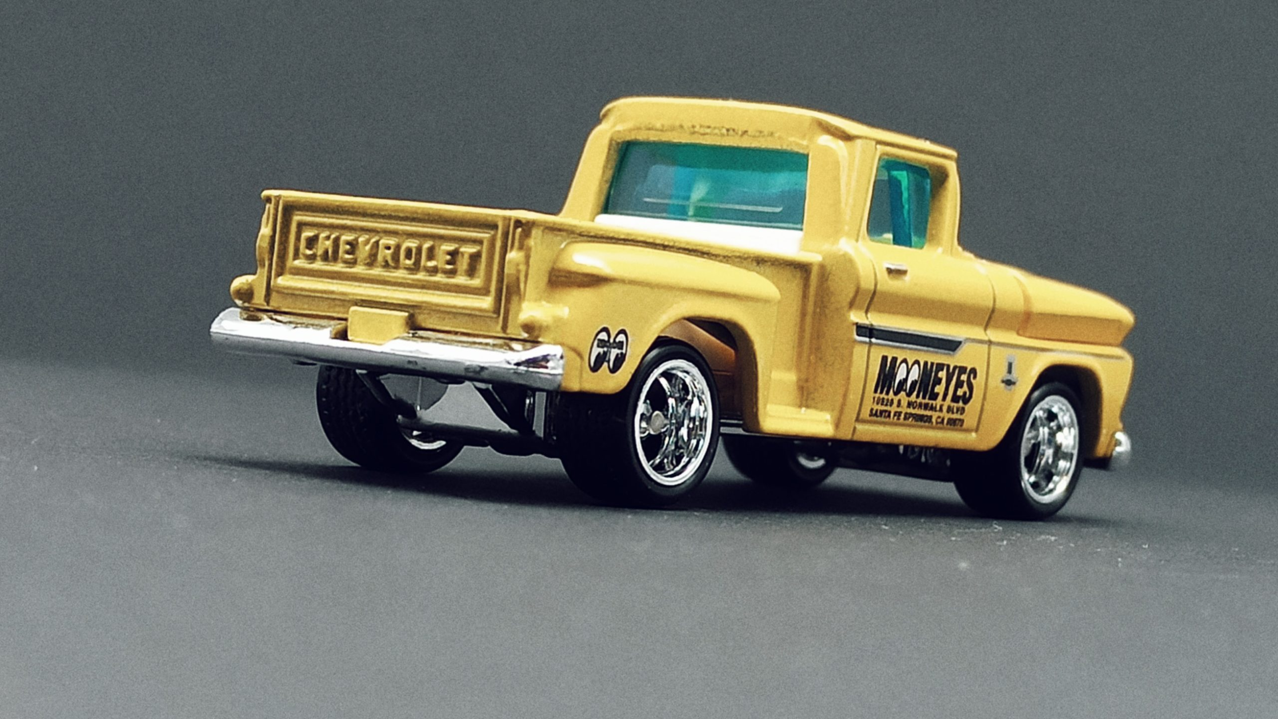 Matchbox Collectors Series '63 Chevy C10 Pickup Truck 1963 (GRK24) 2021 (3/20) yellow (Mooneyes) side angle