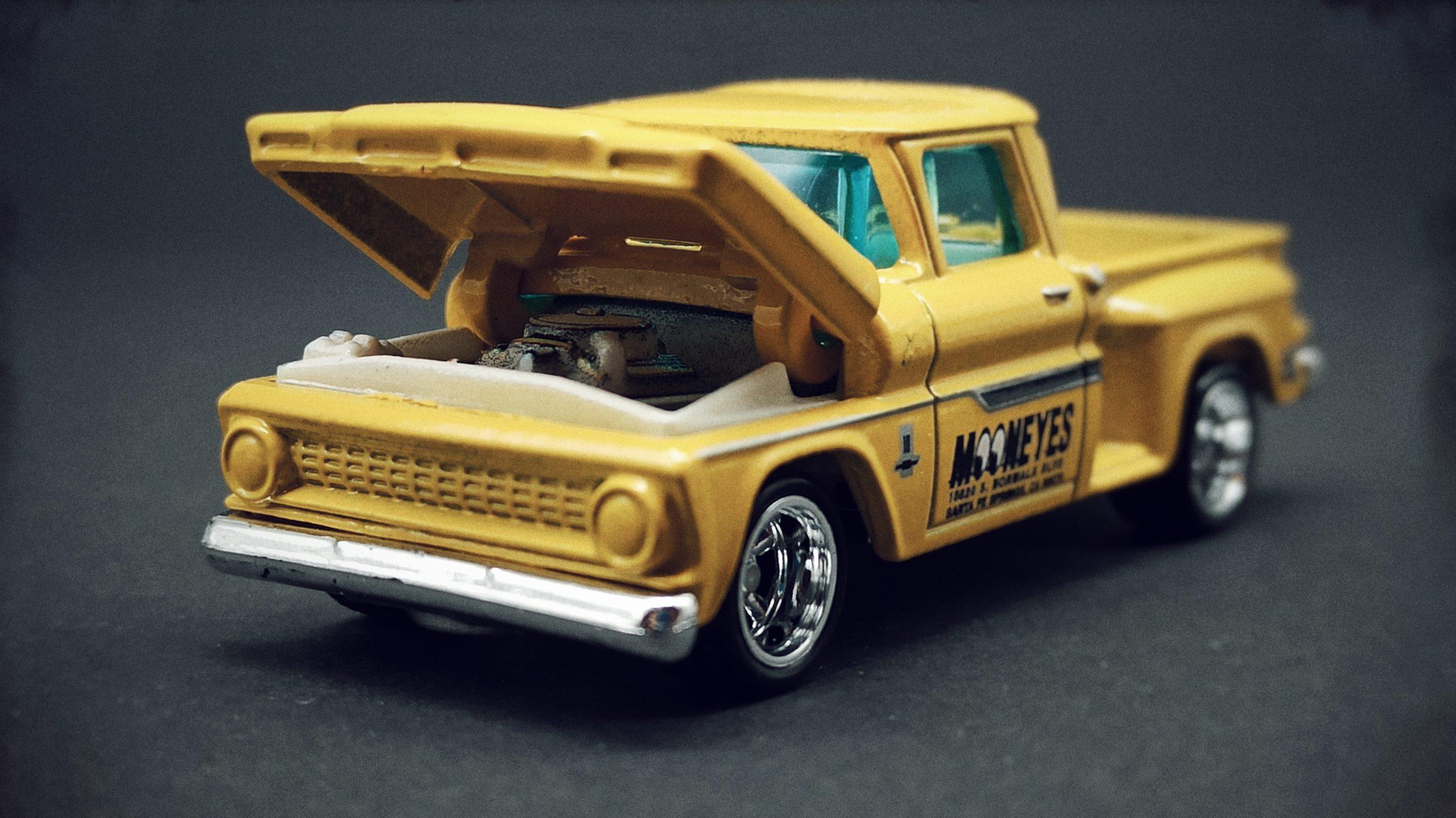 Matchbox Collectors Series '63 Chevy C10 Pickup Truck 1963 (GRK24) 2021 (3/20) yellow (Mooneyes) open hood