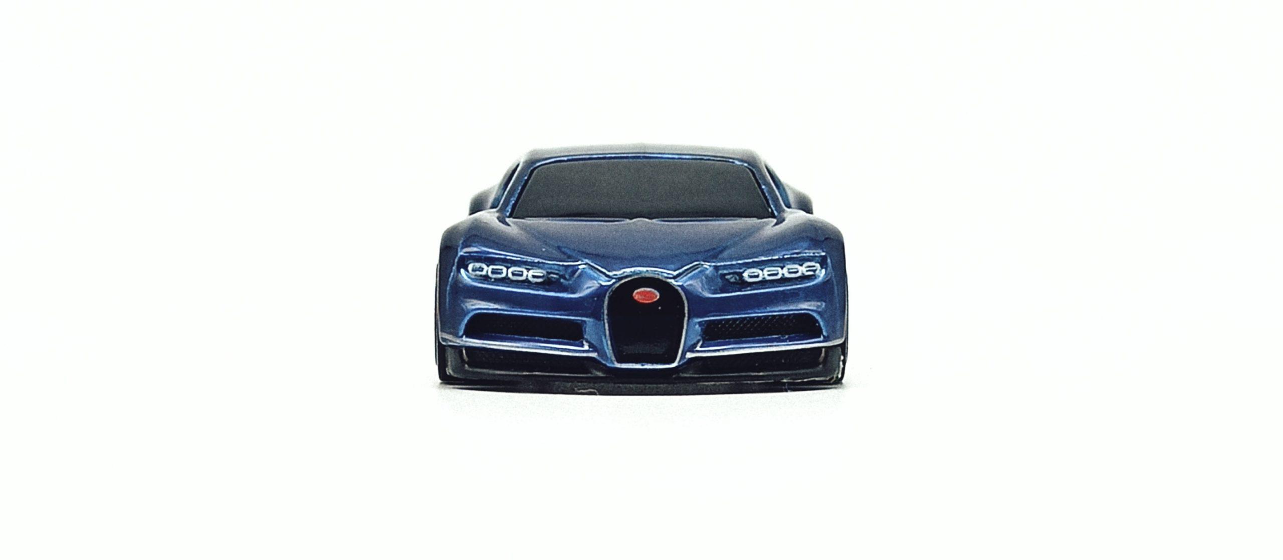 Hot Wheels id '16 Bugatti Chiron (HBG00) 2021 HW Turbo (3/4) spectraflame blue front