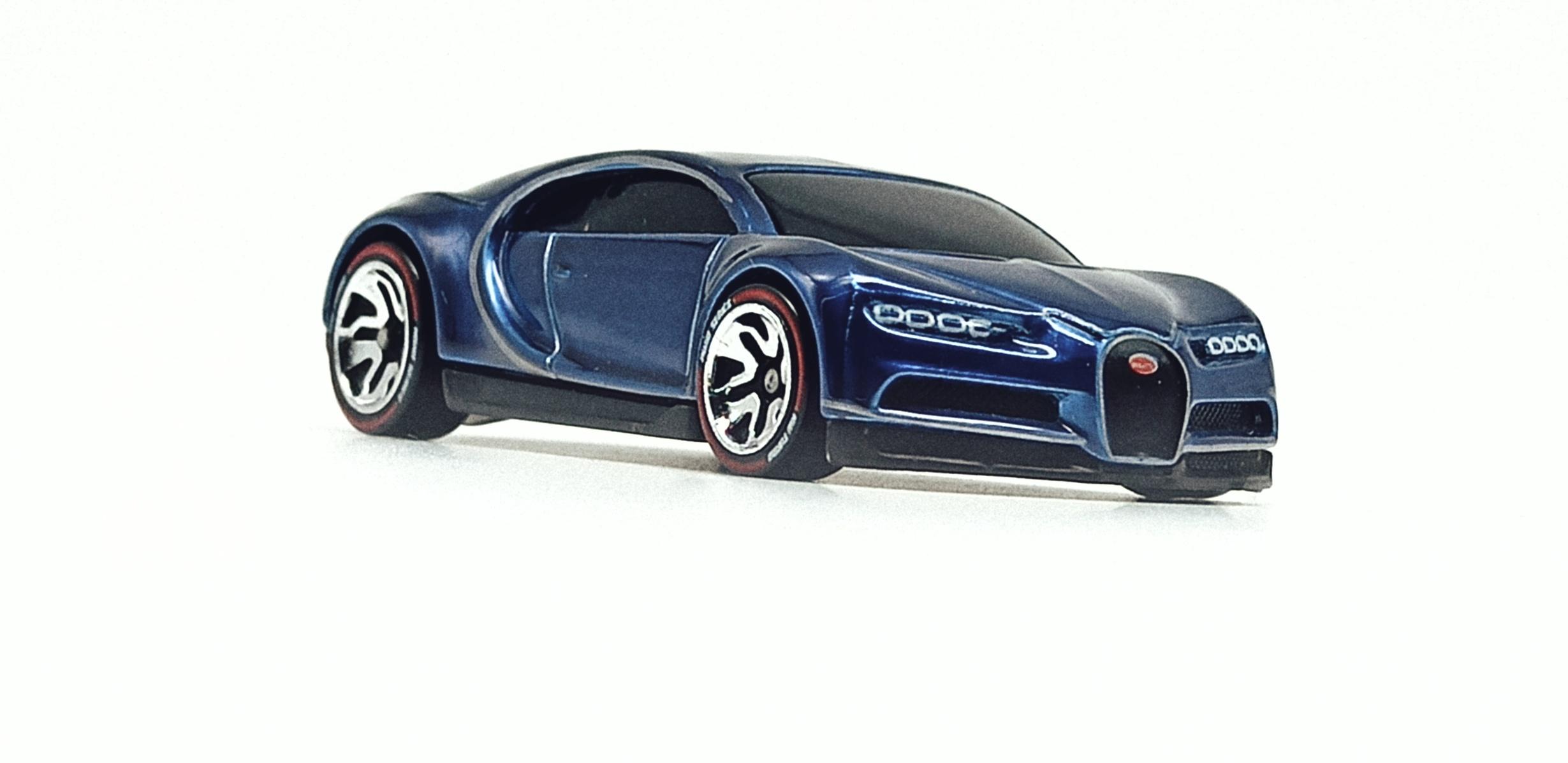 Hot Wheels id '16 Bugatti Chiron (HBG00) 2021 HW Turbo (3/4) spectraflame blue front angle