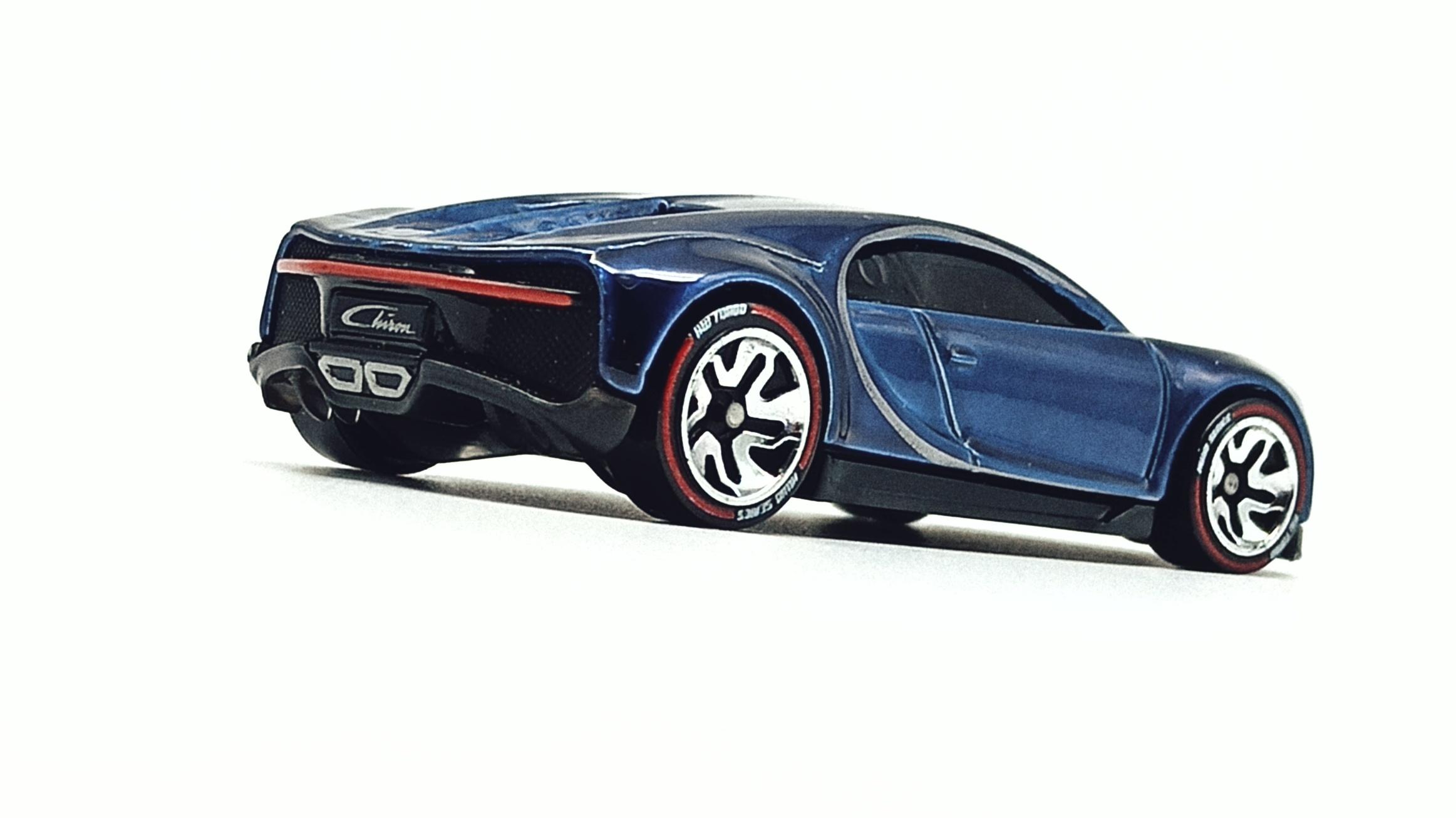 Hot Wheels id '16 Bugatti Chiron (HBG00) 2021 HW Turbo (3/4) spectraflame blue side angle