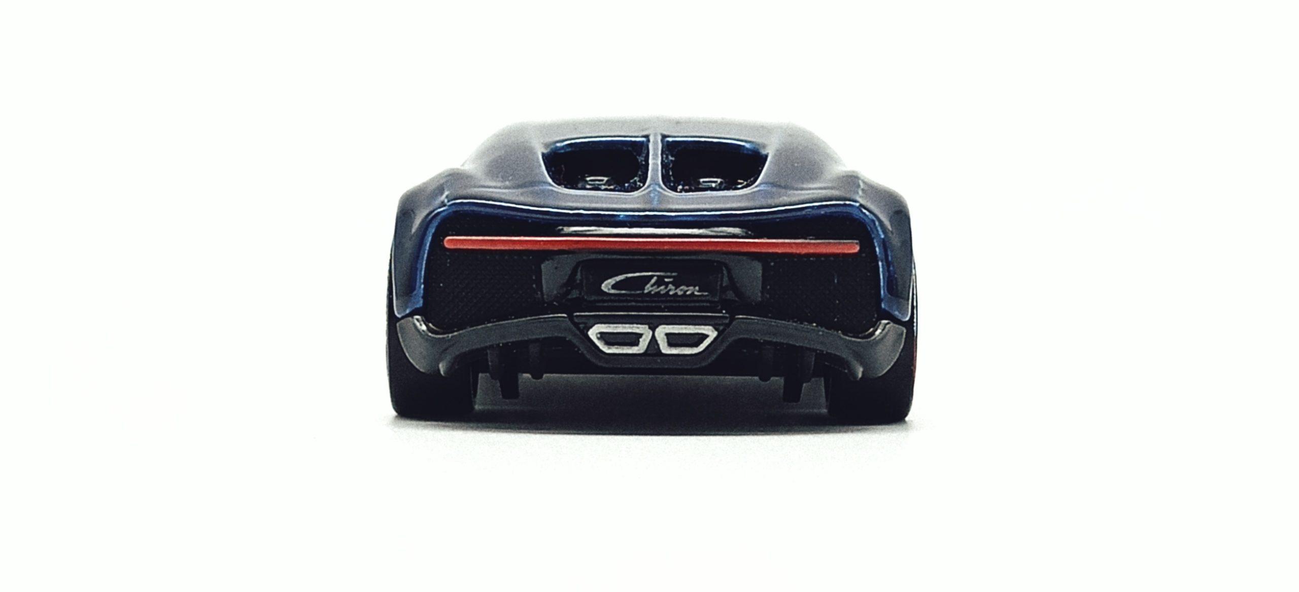 Hot Wheels id '16 Bugatti Chiron (HBG00) 2021 HW Turbo (3/4) spectraflame blue back
